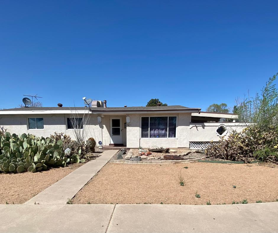 Sold prior to listing in MLS. Home sold ''AS-IS.'' Buyer to verify squarefootage