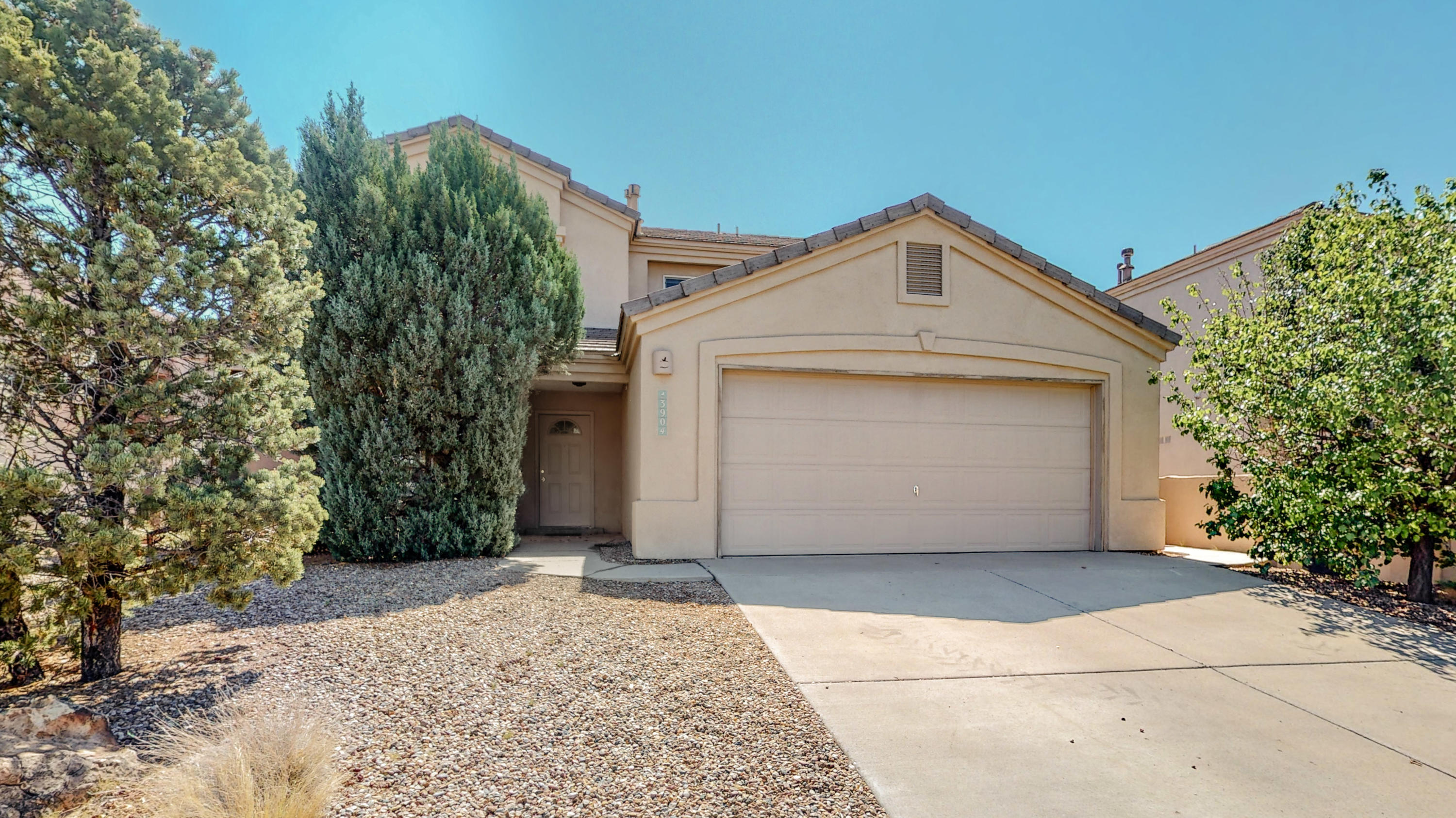 Beautiful 4 bedroom home in the Oxbow Park neighborhood. The home backs up to open area which offers unobstructed views of the mountains from the backyard or from the deck off the master. Nice bright open floor plan and plenty of space for entertaining inside and out. Shopping, neighborhood park and restaurants just minutes away.