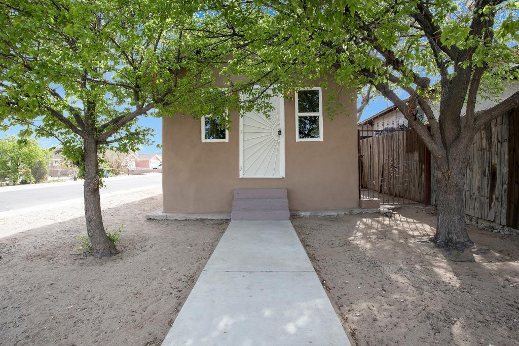 Lovely, remodeled casita, this one bedroom home is 622 sq ft with backyard access and big corner lot.  It has one car covered carport. Beautiful open floor plan, new stainless steel appliances, granite countertops, new paint and flooring.  Appliances are on order as well as missing cabinet doors.  This wonderful home won't last!!