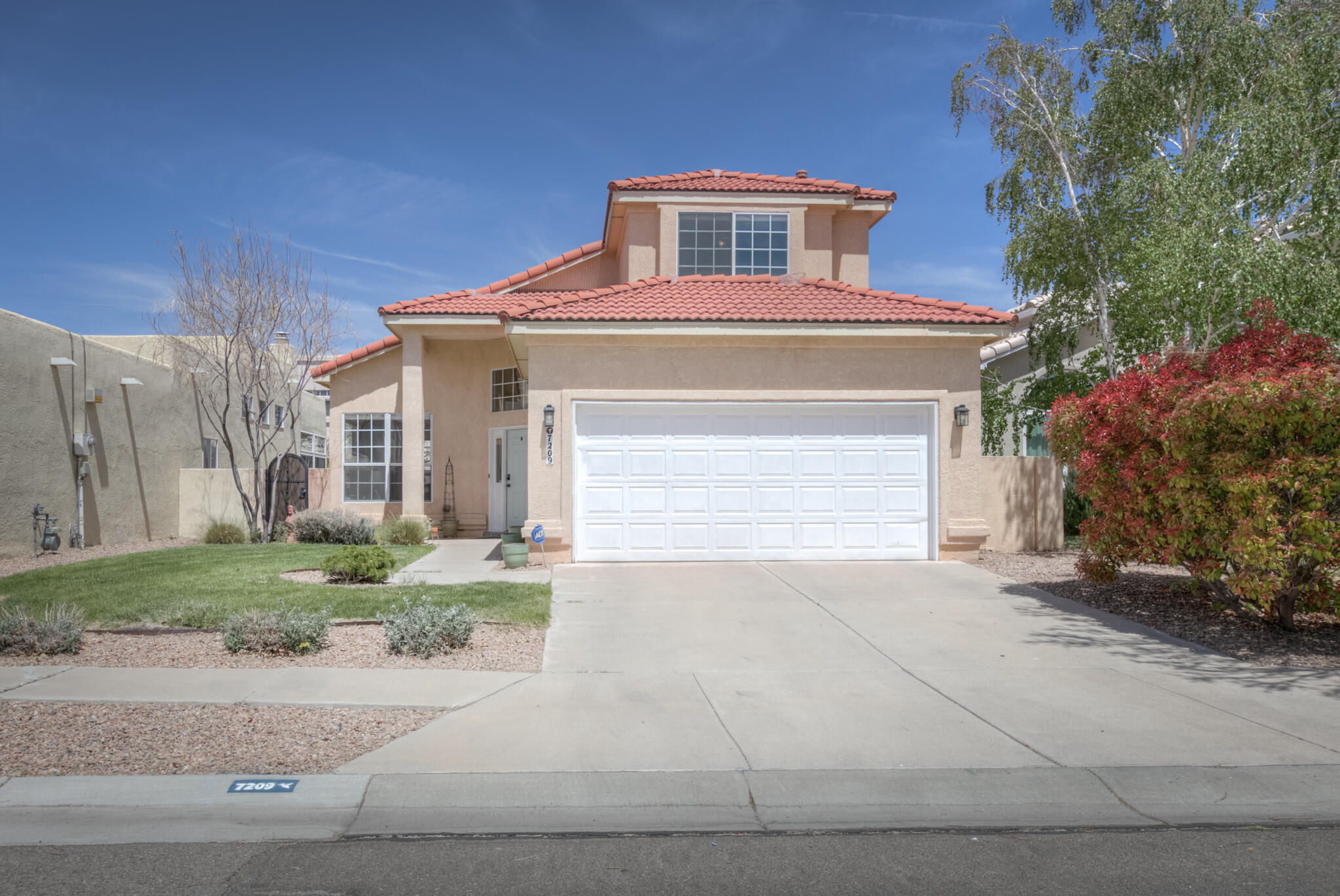 Don't miss this Palomas Park Gem with all the updates!  Pass the beautiful park as you enter the neighborhood with only one entrance.  Close to restaurants, shopping, and three parks all within walking distance. Home features large kitchen with ample counter space, newer kitchen appliances installed Jan 2021, upgraded counter tops, two living areas, large windows, formal dining room, 3 bedroom upstairs, all three bathrooms have been remodeled/refreshed within the last three years including remodeled master bath with freestanding bathtub plus walk in shower, master bedroom has balcony with mountain views. Great outdoor living for all your entertaining in the lush backyard.  Call today for your private showing.