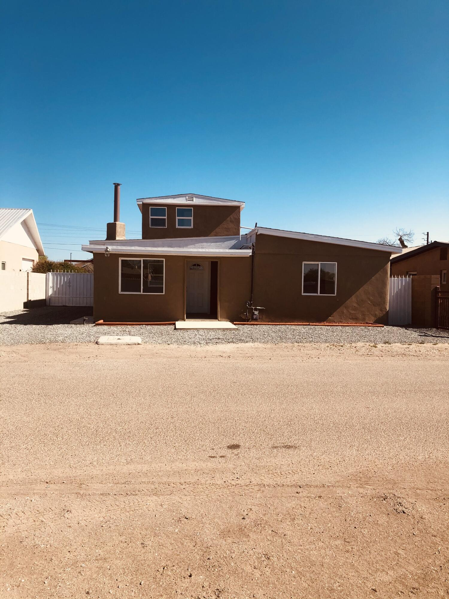 Newly refreshed north valley home with backyard access. Come take a look before its gone!