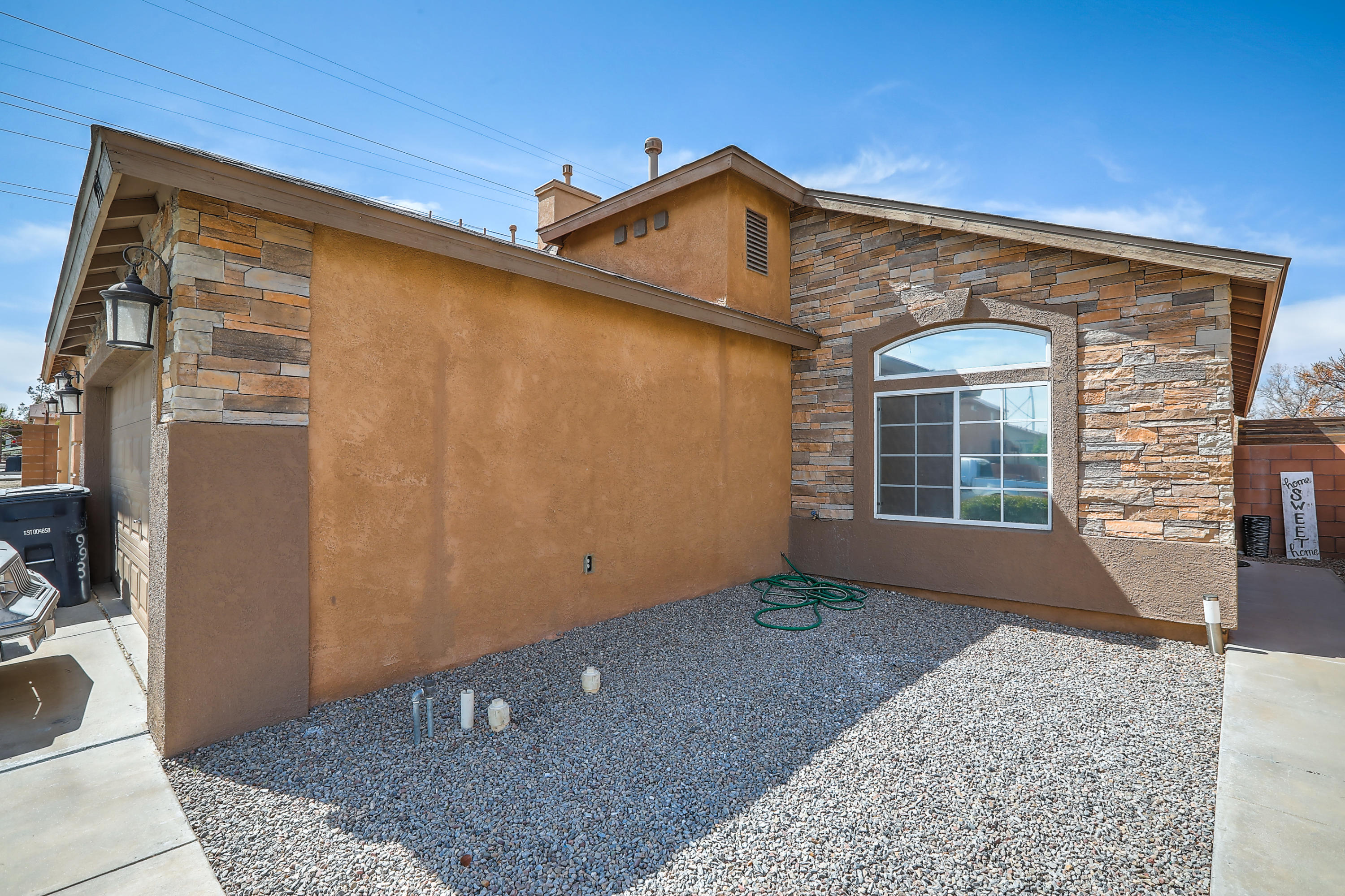 Beautiful 3 bedroom house in a gated community.  Nice oversized master bedroom with a full bath.  Come see this amazing house!!