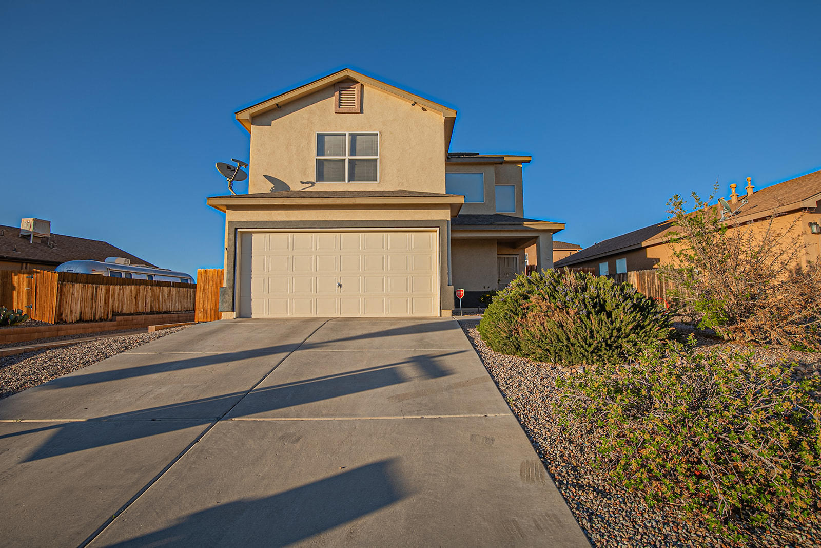 Welcome home to the Tome Vista subdivision! This cute 3 bedroom home with walk in closets in each room! Loft area upstairs makes for great entertainment and solar panels for low monthly PNM bill.