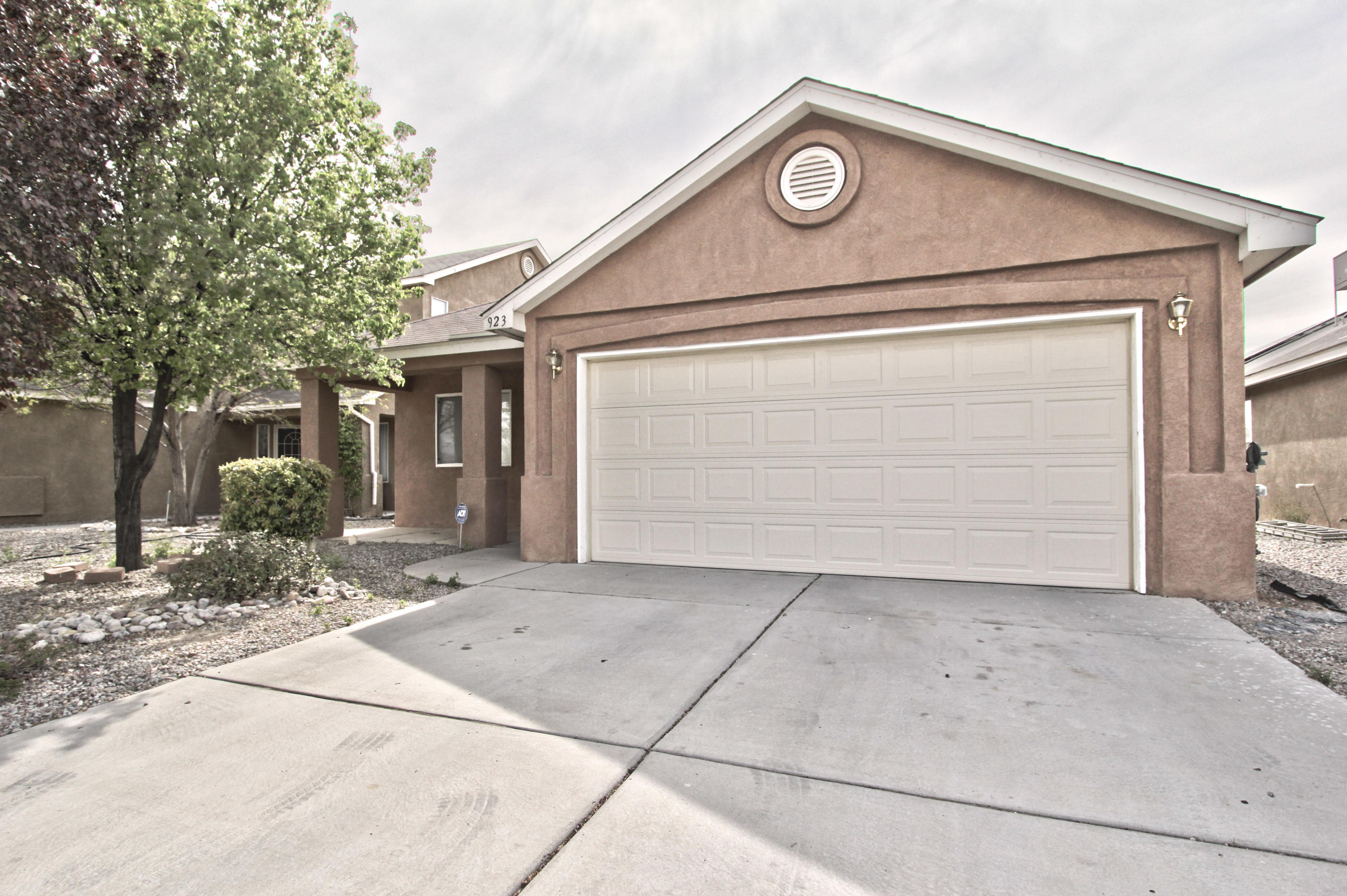 Charming 3 bedroom, 2 FULL bathroom home with an open floor plan.  Kitchen nook and kitchen bar for eating, and stainless steal appliances.  Upgraded ceiling fan/light fixtures and fresh paint.  Move-in ready!
