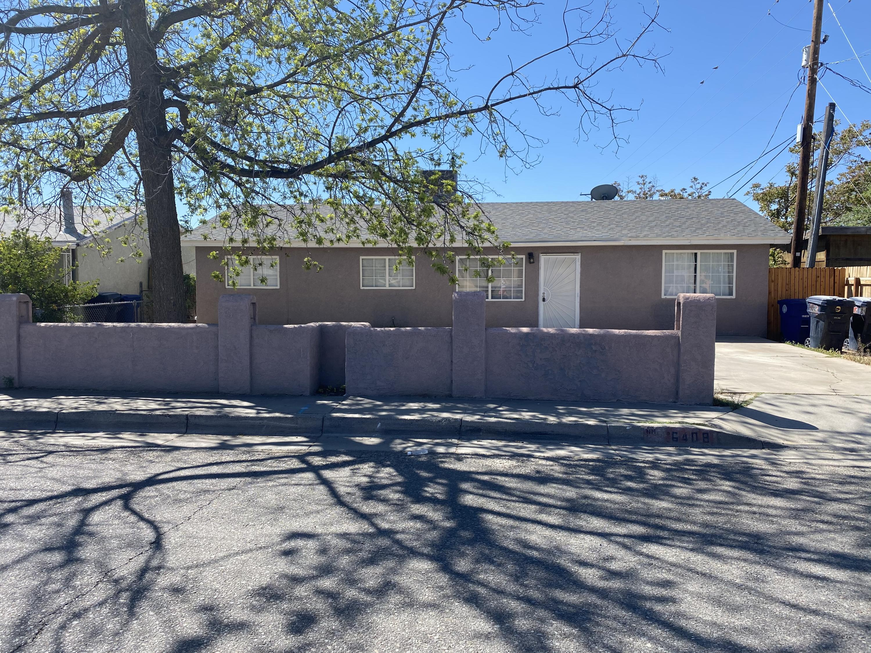 Beautiful well kept home located in the SW of Albuquerque. Home features 4 bedrooms and 2 bathrooms and all appliances convey.  Move in ready. Come check this one out before it's gone. Close to parks and schools.