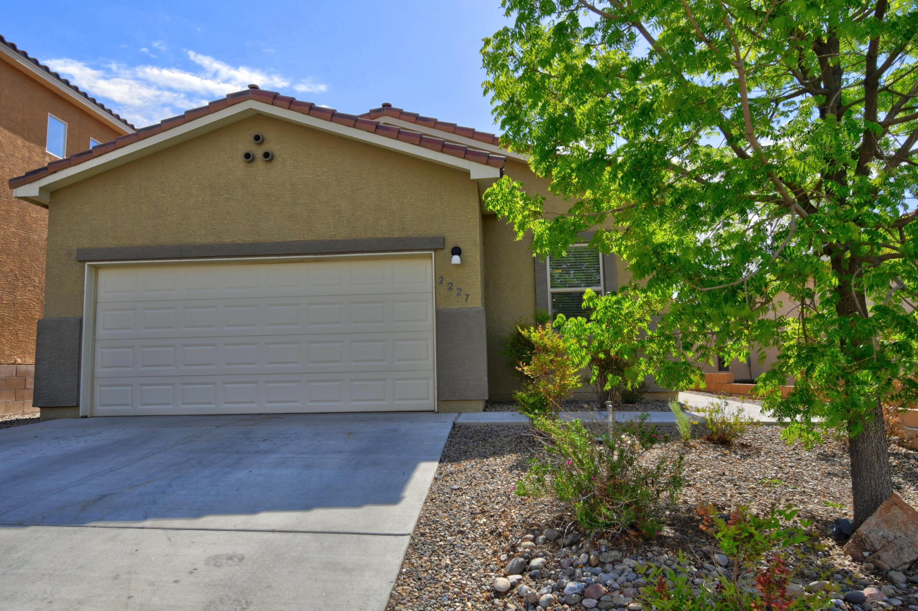 Move in ready! Single story, 3 bedroom plus office/study and 2 full baths. Open concept, kitchen with stainless steel appliances, granite and tile backsplash. Master bedroom with spacious walk-in closet, the master bath has separate shower and tub with double sinks. Shows beautifully. Highly desirable Cabezon neighborhood and amenities.