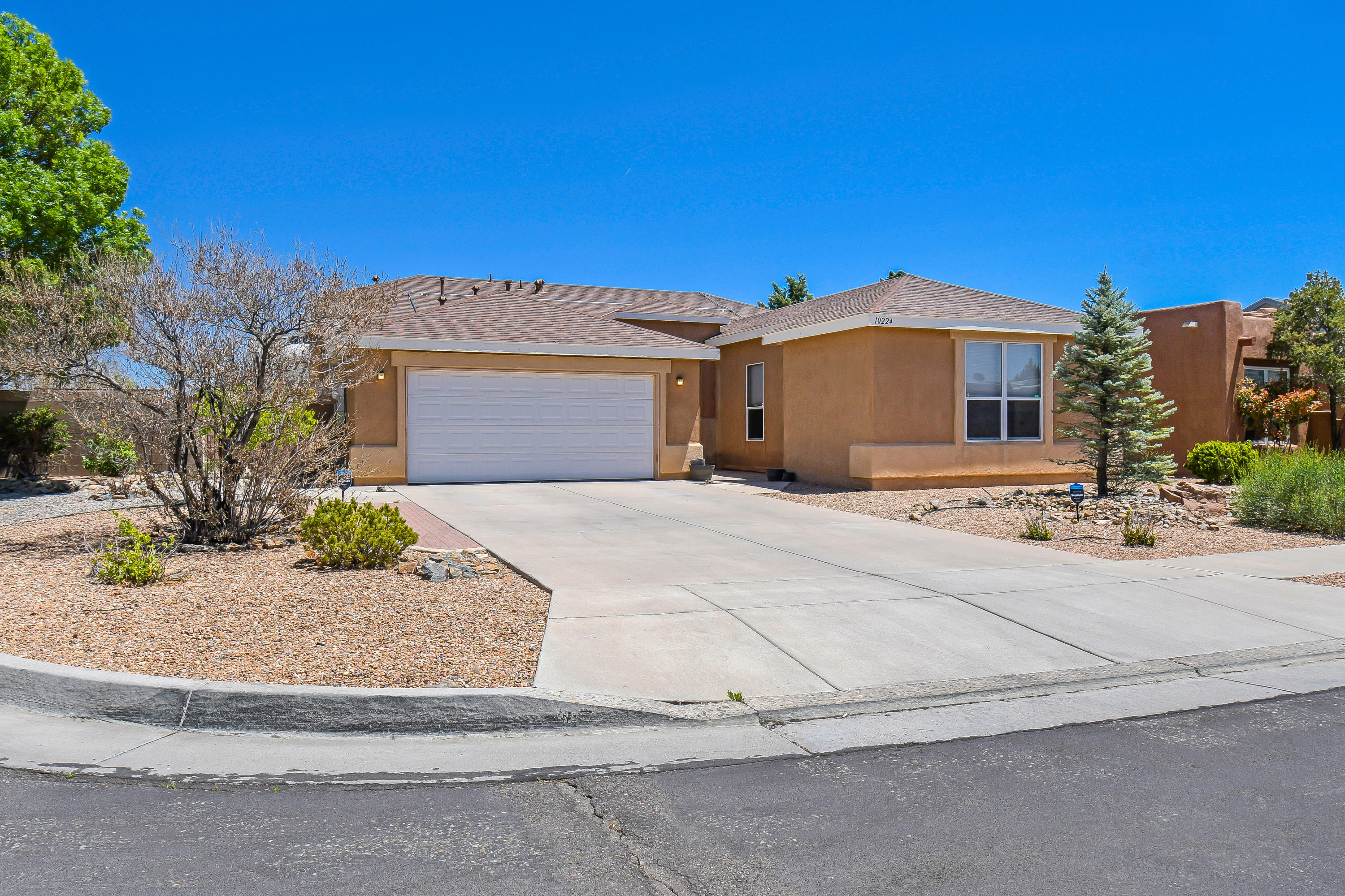 You don't want to miss this one! Open floor plan, large living room with built-in entertainment center, ceramic tile floors, ceiling fans, kitchen has plenty of counter space including a large island with sink, upgrades, master bedroom is separate from the other bedrooms and has double sinks, a large walk in shower and closet fully landscaped, backyard access with RV pad and storage shed, corner cul-de-sac lot with direct access to community walking paths.
