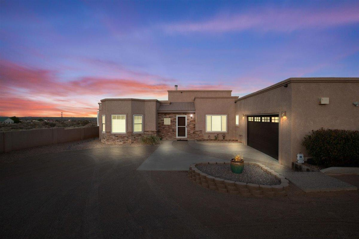 Check out this wonderful Majestic built custom home situated on 1 acre w/ unobstructed mountain views. Close enough to shopping & restaurants, but far enough to get away. NEW TPO roof just installed, NEW Septic scheduled for installation. NEW carpet, NEW Updated Bathrooms, home FRESHLY painted. So many updates since 2008! This pueblo style 1 story home has so much to offer! 2 living areas, large open eat-in kitchen w/island, stove has 2 ovens! Spacious master suite, master bath has separate tub/shower & separate double sinks. RV? Plenty of room-RV dump & 220 hook up! 2 TVs/washer/dryer/kitchen fridge convey.  Sellers have just combined 2 -1/2 acres to 1 acre, no neighbor to the north. 357 sq ft sunroom not part of sq ft.  Check out the virtual tour. Come see what it has to offer!