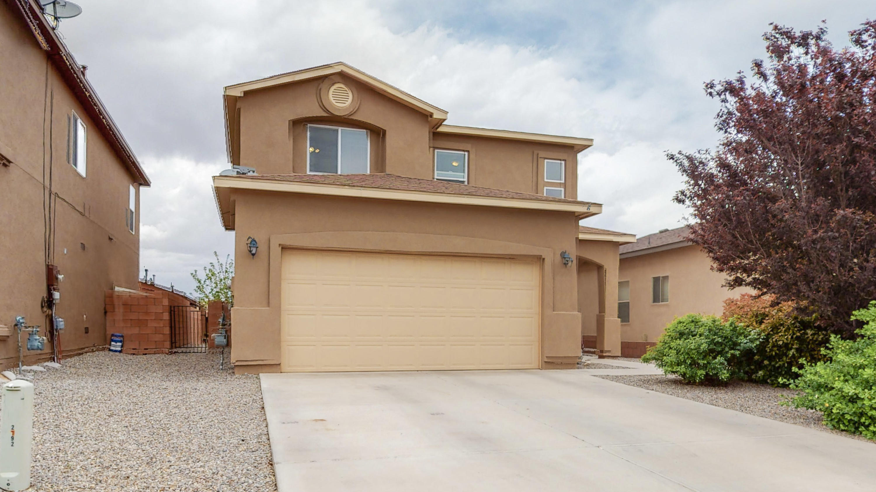 A great 2 story home only 5 years old. 2000 square feet in a great Rio Rancho location.