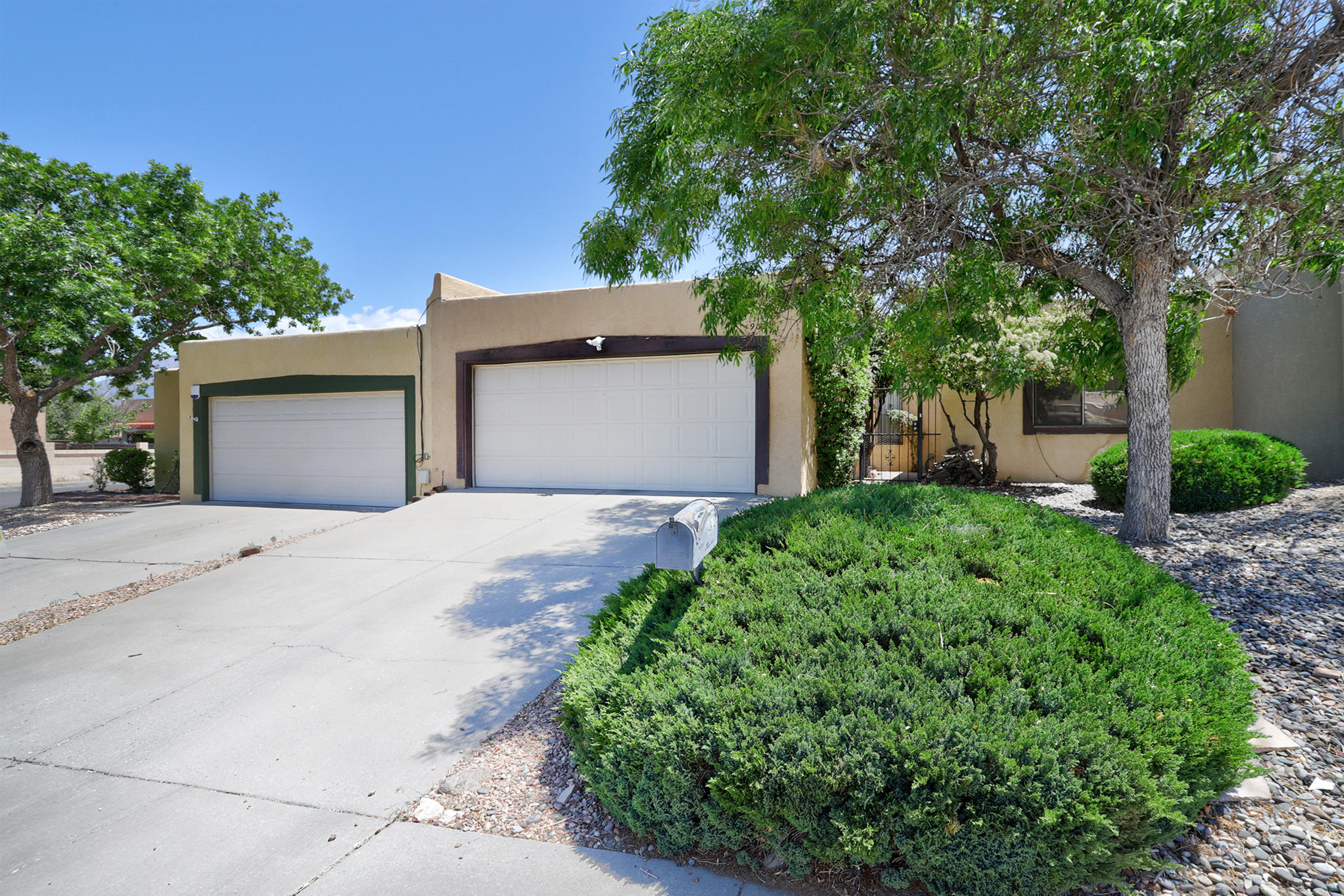 Home is Tenant occupied with 4 1/2 years remaining on lease. Wonderful tenants and a great investment opportunity.