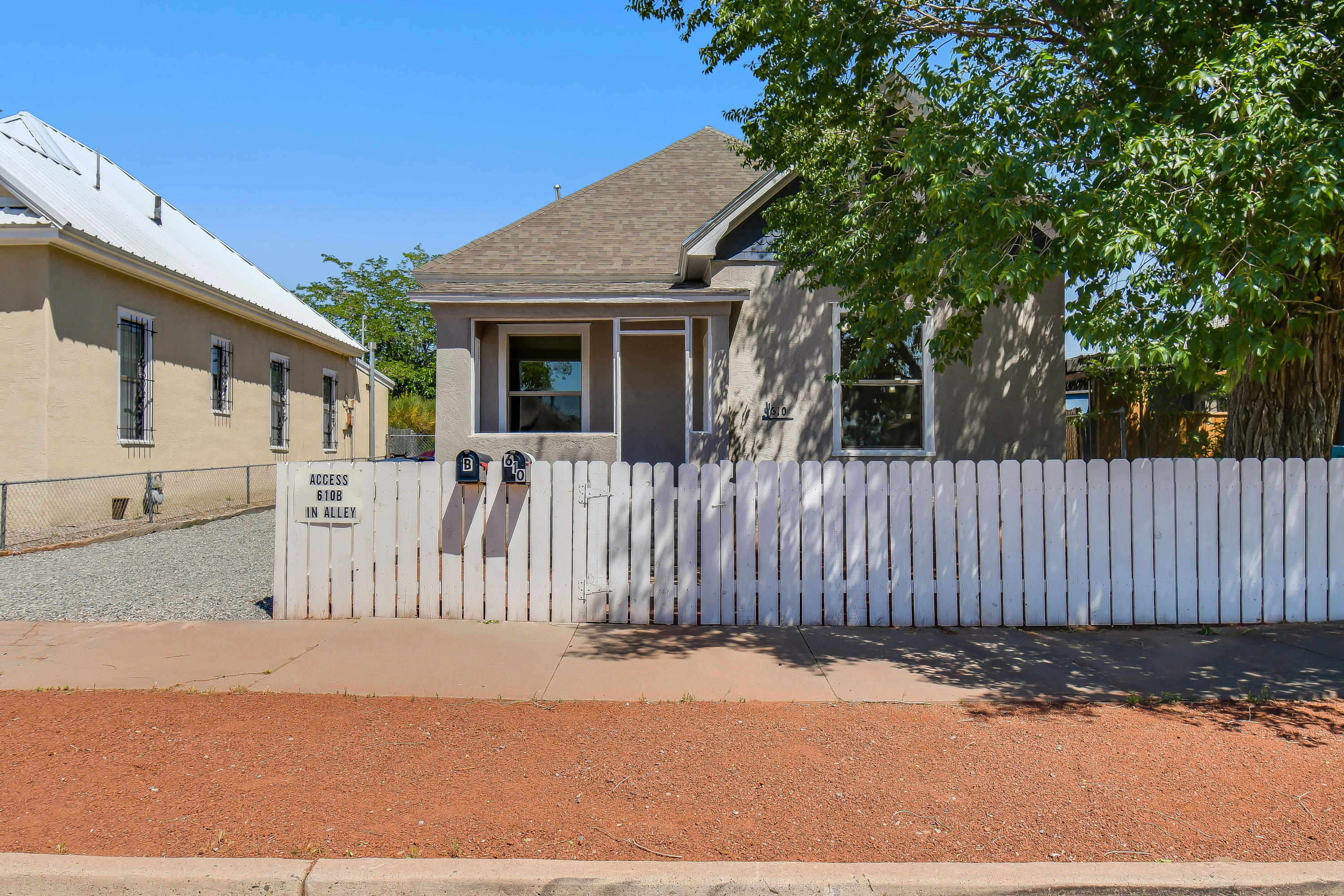Recent remodeled main and guest house, both with new roofs, near downtown and hospital. Main home features granite counter tops refrigerated air and central heat. Guest house is a gorgeous 2 bed 1 bath perfect for any guests or rent out in highly desired neighborhood.