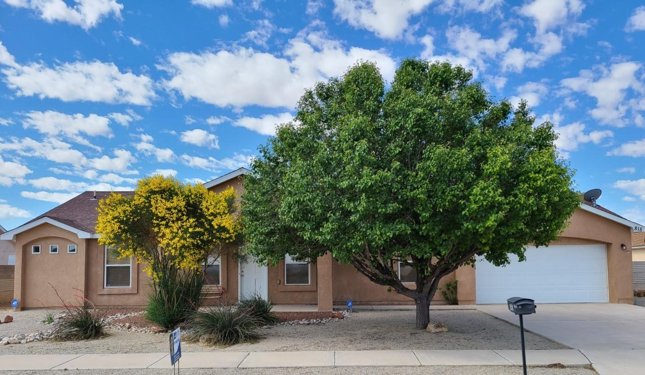 Refrigerated air, walk in closets, vaulted living room ceiling, separate tub/shower in master bathroom, 2x6 construction, ceramic tile, Easy highway access, gas and restaurants nearby, great views, no thru street, and outdoor trails nearby.