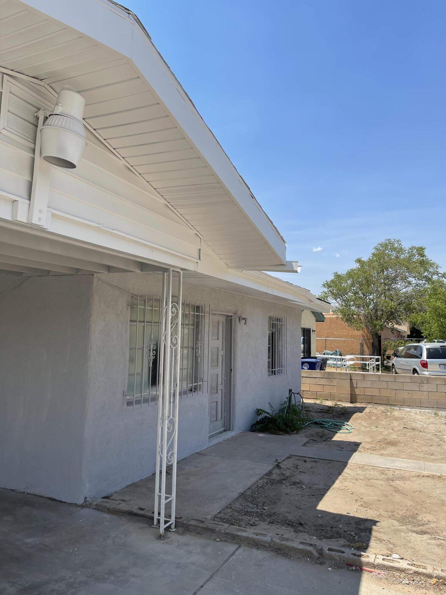 Turn Key, move in ready remodeled single story home in well established neighborhood. Updates include tiled bathrooms, kitchen cabinets, countertops, new carpet in bedrooms, luxury vinyl flooring, roof and more! Spacious backyard with plenty of storage. Stainless steel appliance package.