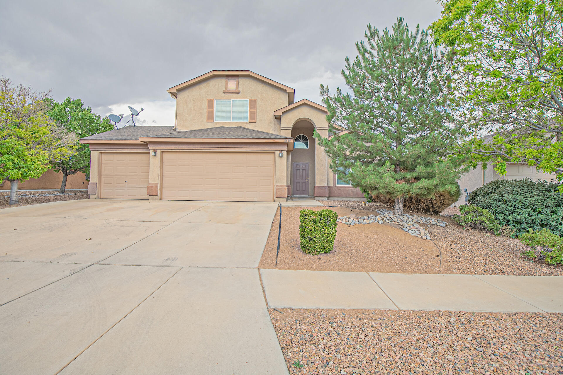 Welcome home!! Freshly painted 4 bedroom 3 bath home with a 3 car garage near I-25, Facebook, Walmart, restaurants and the movie theater. Nice open floor plan with the master bedroom on the main floor. Plenty of room for your growing family. There is a walking path, park, dog park, tennis courts and basketball courts near by. Make your appointment today.