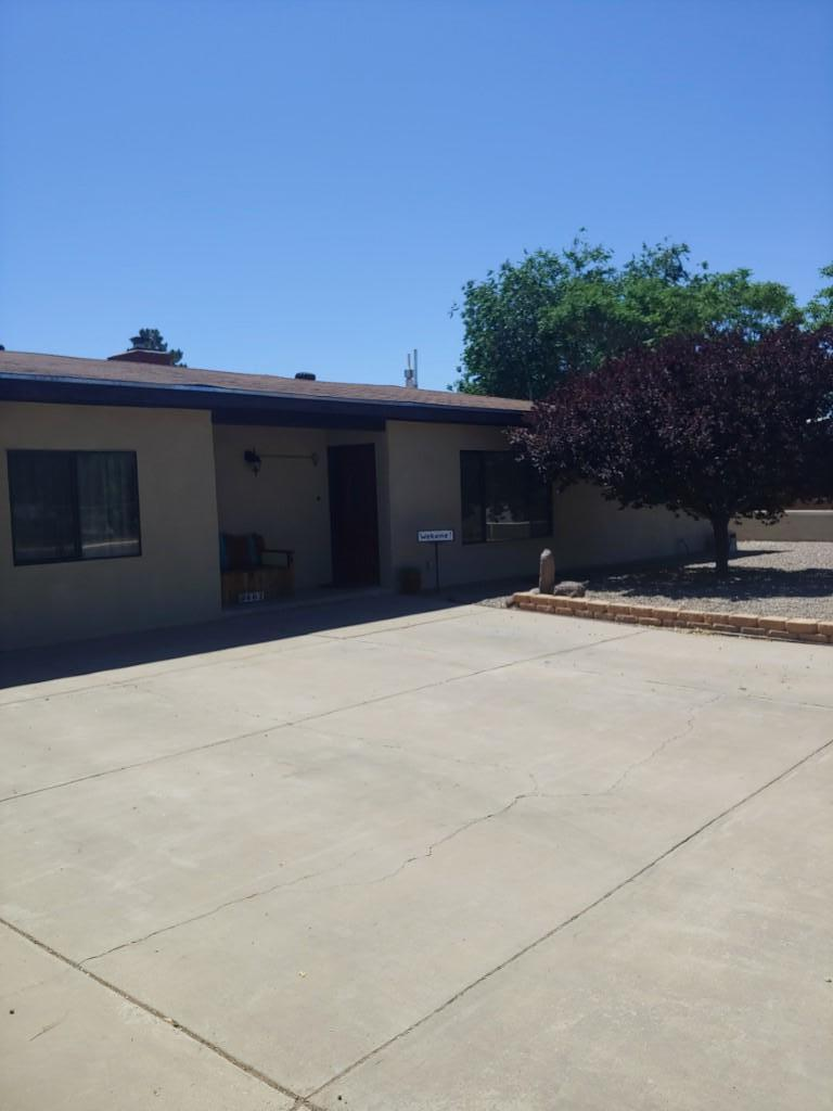Come inside this immaculately kept, gorgeous home. This home has an updated kitchen with stainless steel appliances. Master bedroom has a sitting area with large walk in closet. Enjoy the wood burning fire insert in the Foyer that leads to the park like beautiful backyard.  This home has a lot of storage and a  workshop. Casita built, in 2009, full kitchen, on-demand water heater. Heating and cooling unit installed in 2018.  Casita has separate entrance to home.