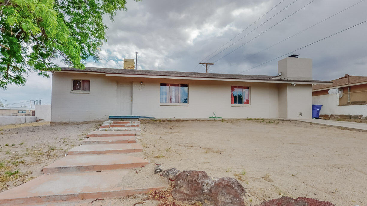 This fantastic large corner lot home is ready for its new owner. Bring all your cars, boats, trailers, Rv's, etc. -- there is plenty of room to store. Home needs a bit of updating but clean and livable. Bring your imagination this home/yard endless possibilities. Enjoy two generous living areas and a large dining room for all of your guests. The large utility closet is perfect for a nice pantry area near the kitchen. Schedule your private showing today before it's gone.