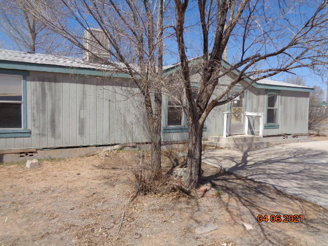 Great home needs some cosmetic workcorner lot concrete drive 36 miles from tramway blvd. On corner lot