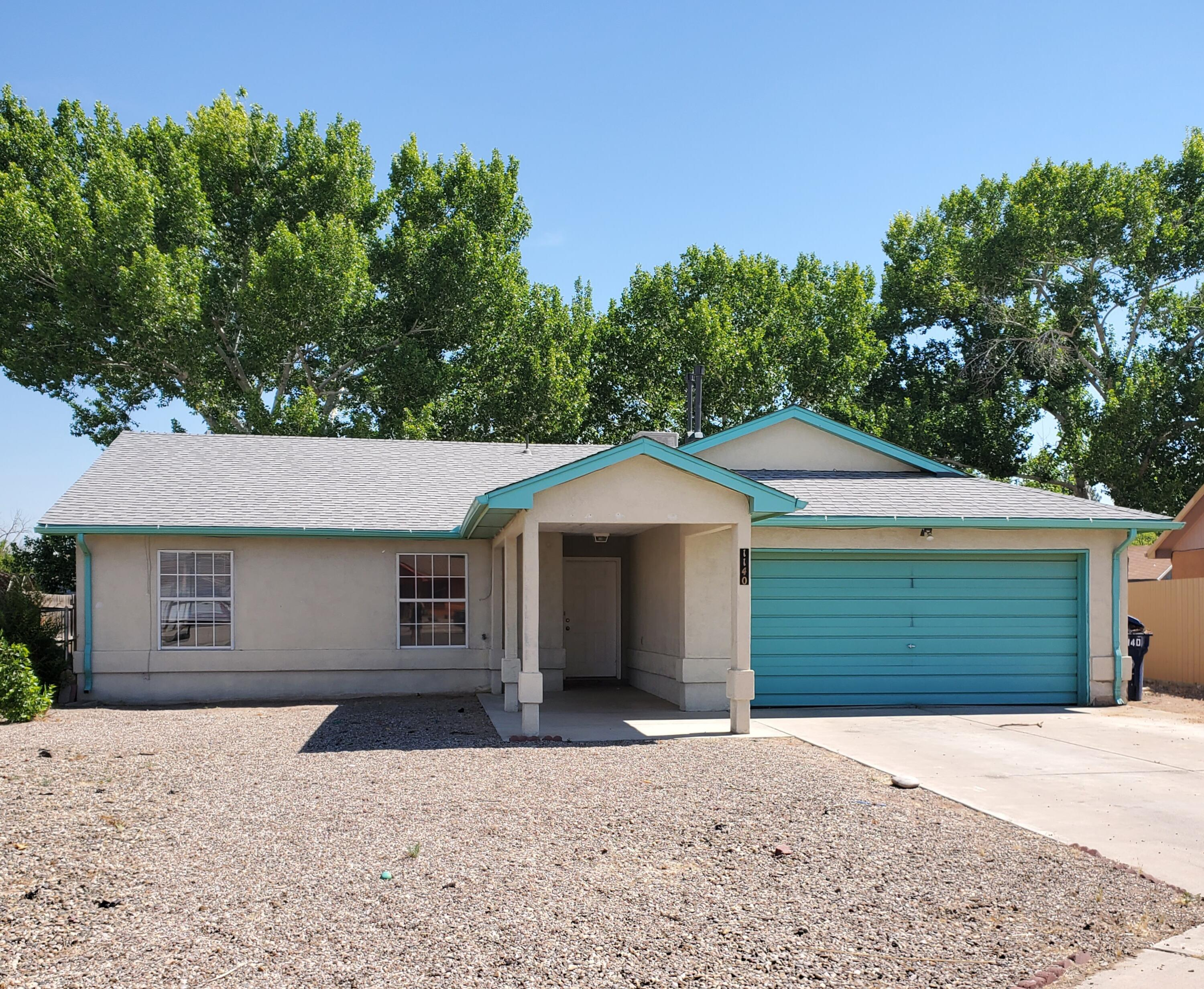 Great 3 bedroom, 2 bath home in the heart of Los Lunas.  Features include an oversize garage and driveway, backyard access and tile floors throughout.