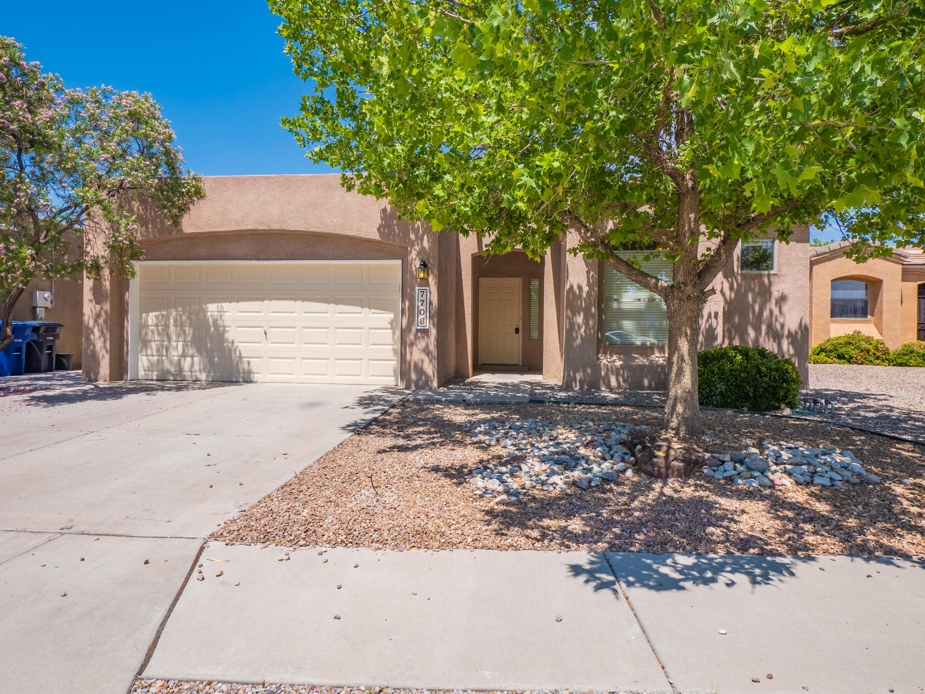 One of Vista Del Norte's finest homes is now for sale! This private and relaxing community is sure to please its new owner. Many walking trails and parks for everyone to enjoy. Updated appliances and carpet plus many items improved for the sale. Large backyard is great for gatherings and a play area. Very low inventory in this area so call us before its gone!