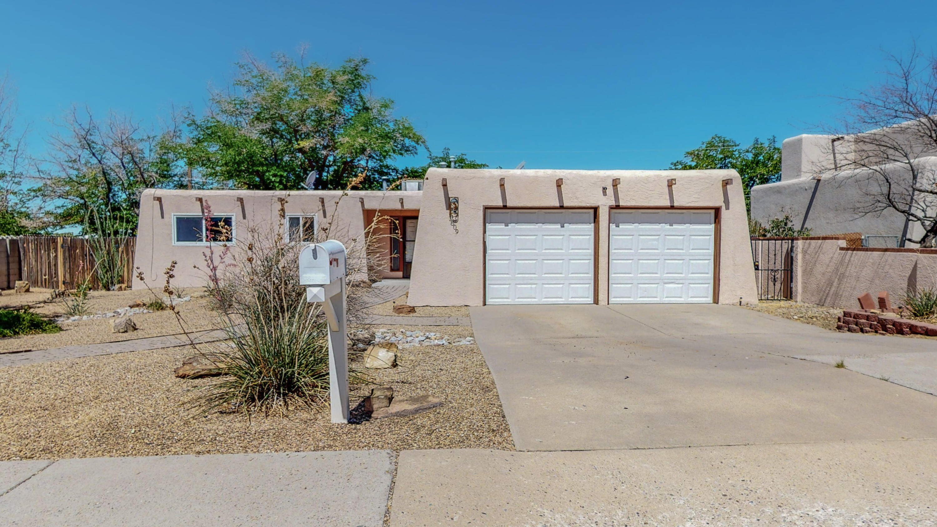 This 3 bed 2 bath home has so much to offer. The kitchen has granite counter tops, and stainless steel appliances. This home also has 2 living areas making it very open and welcoming.
