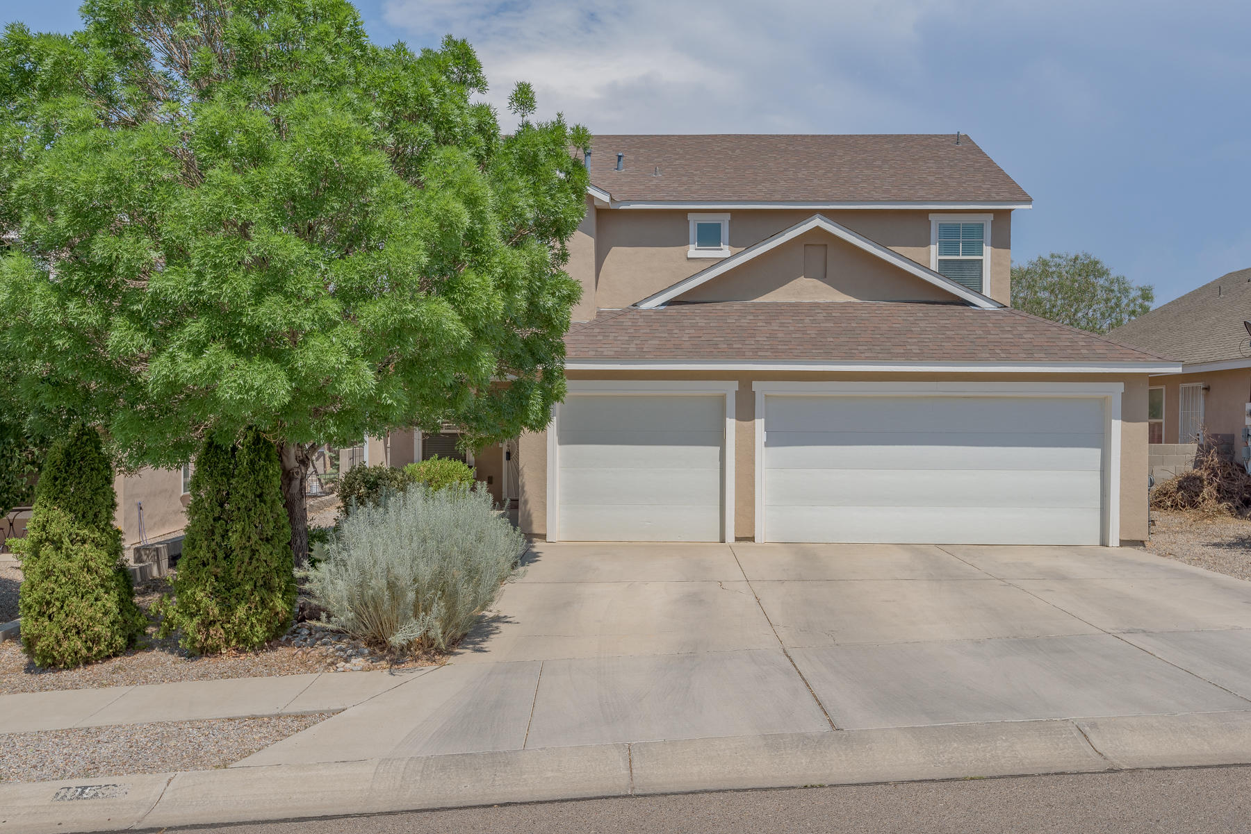5 Bedroom/ 2 1/2 Bath home in the Seville Subdivision of Paradise Hills!  2 plus living areas, formal dining, eat-in kitchen with gas range.  Bedroom/Office downstairs and 4 up.  SpaciousMaster Suite with walk-in closet.  Fully landscaped, storage shed, 3-Car Garage.