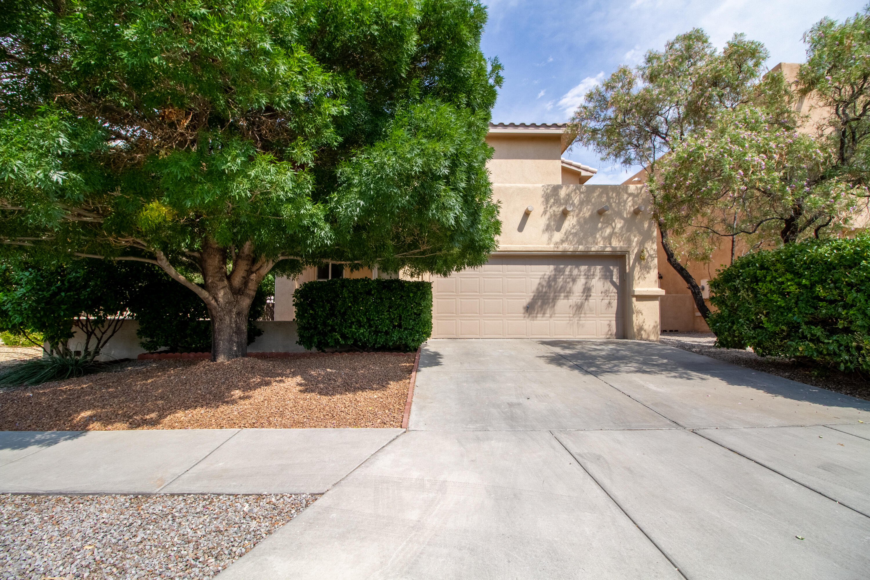 Location location location!! This pristine like new home is located in the exclusive Vista Del Norte Neighborhood. The backyard is gorgeous and has been impeccably maintained. The refrigerated air will keep you cool in these hot summer months! The home has new carpet, fresh paint, and a brand new stucco job.
