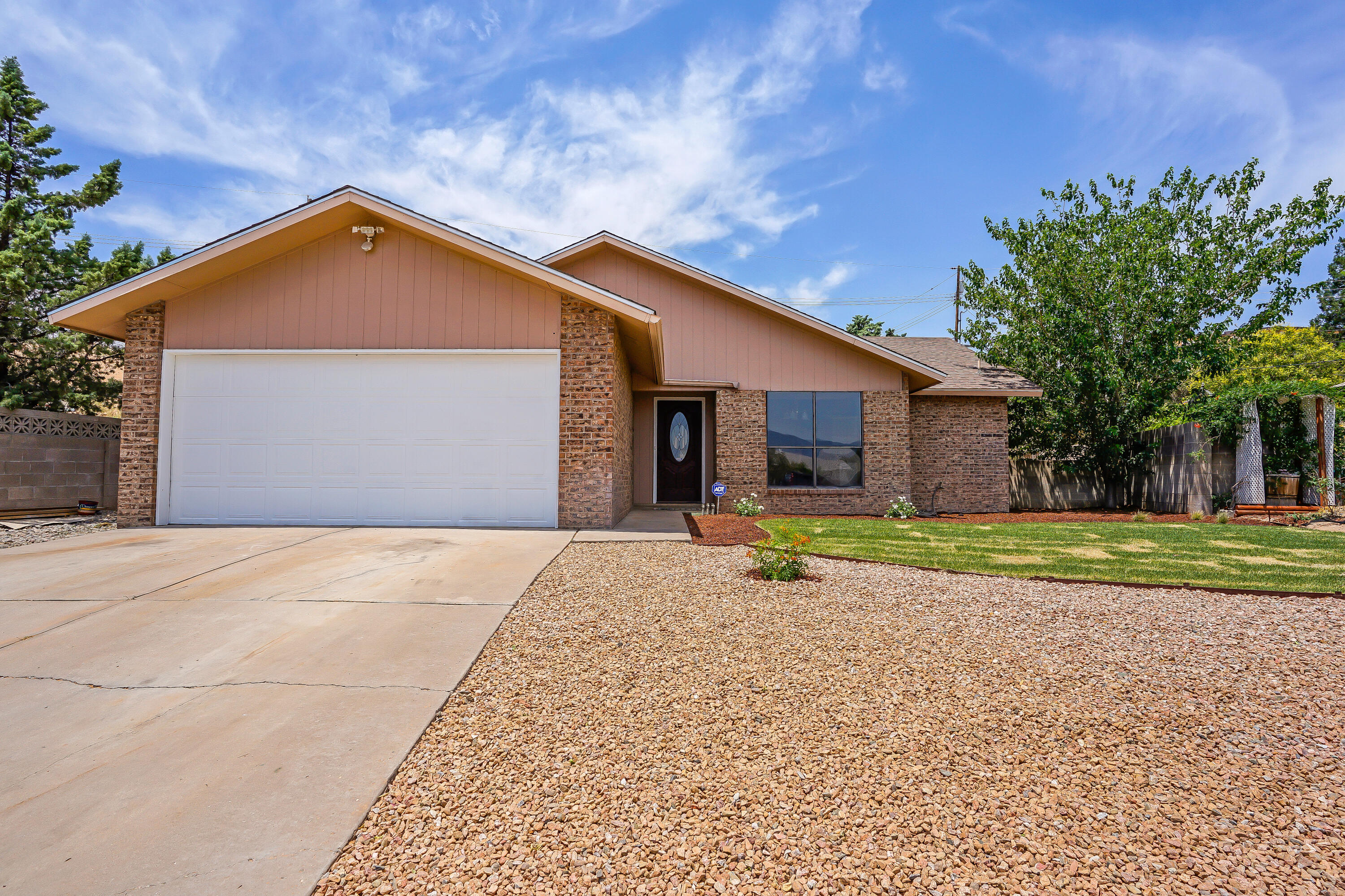 Welcome Home to this beautifully updated single story home located on a quiet street. This lovely home has a bright open floor plan with new carpet throughout and several updates.  Don't miss out, it won't be on the market long!!