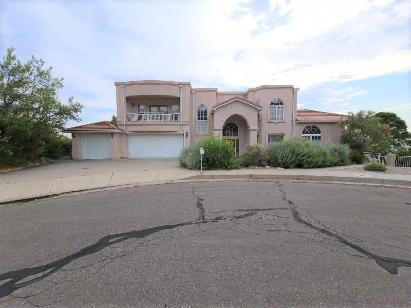 Come take a look at this fantastic opportunity located in the Foothills!! This home has wonderful features and after fixing up this can be a great investment. Perfect for the contractor or handyman or anyone just looking for a renovation project. The home needs updates to flooring, fixtures etc...however it is ready for your personal touches and remodel! The home has 3 spacious bedrooms rooms and 2 full bathrooms, 1 half bathroom, 3 car garage, large living area, kitchen with eat in area and so many great possibilities, huge covered patio in back and spacious balcony, great for enjoying warm summer evenings! This is a great opportunity and excellent location with easy access to shopping, schools and the freeway don't miss out!