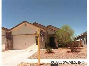 Cute townhouse close to the city of Los Lunas.