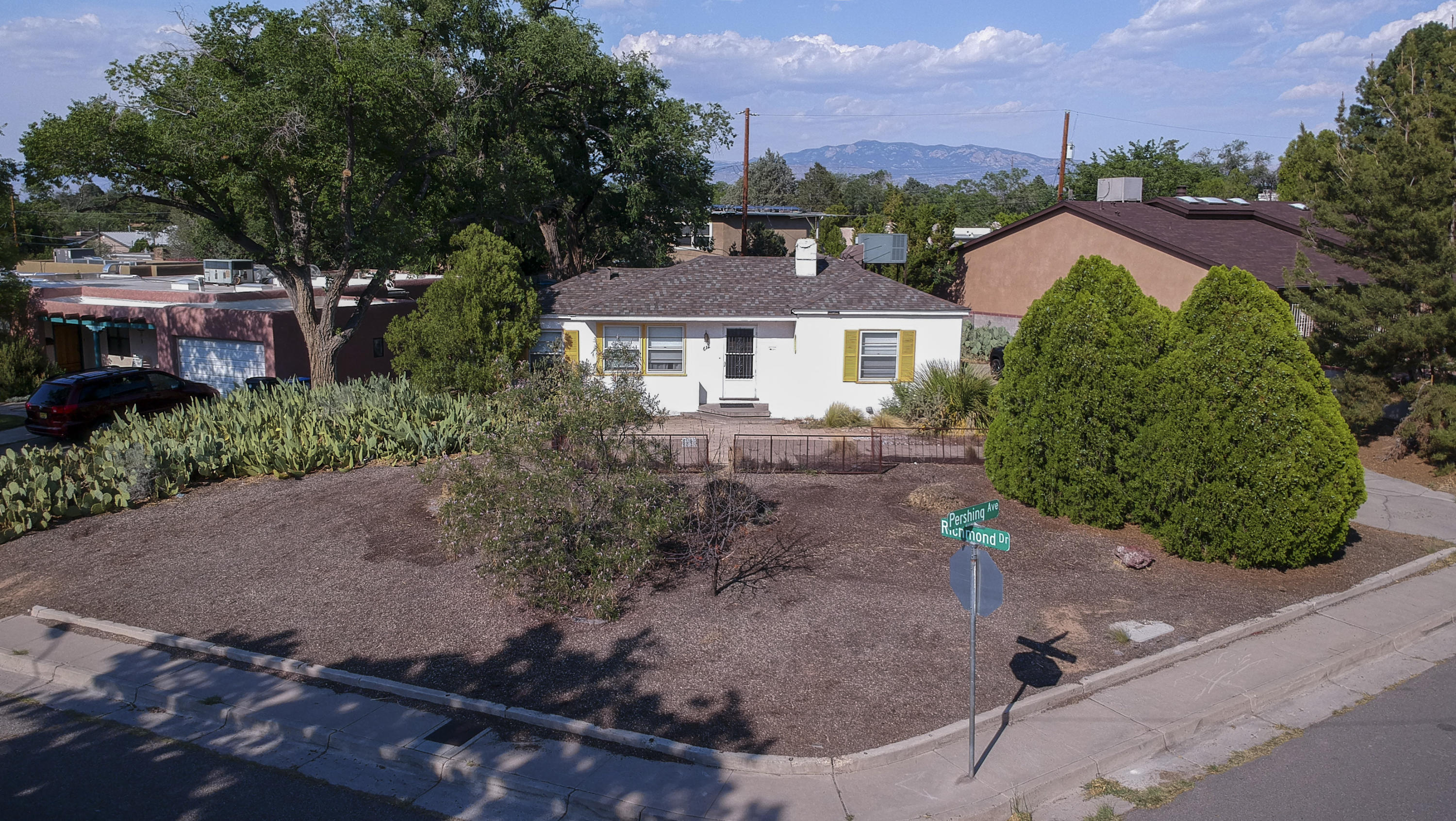 Awesome and unique little property right on Hyder park. Refrigerated Air, New Roof in 2019, big corner lot, Room to park an RV or camper. Super close to Nob Hill, UNM, Hospitals, Downtown, Airport, Interstate access, KAFB, VA.  Butcher block counter tops, soft close drawers, updated kitchen appliances. Do Not Disturb Tenant First showings will be 06-27-2021
