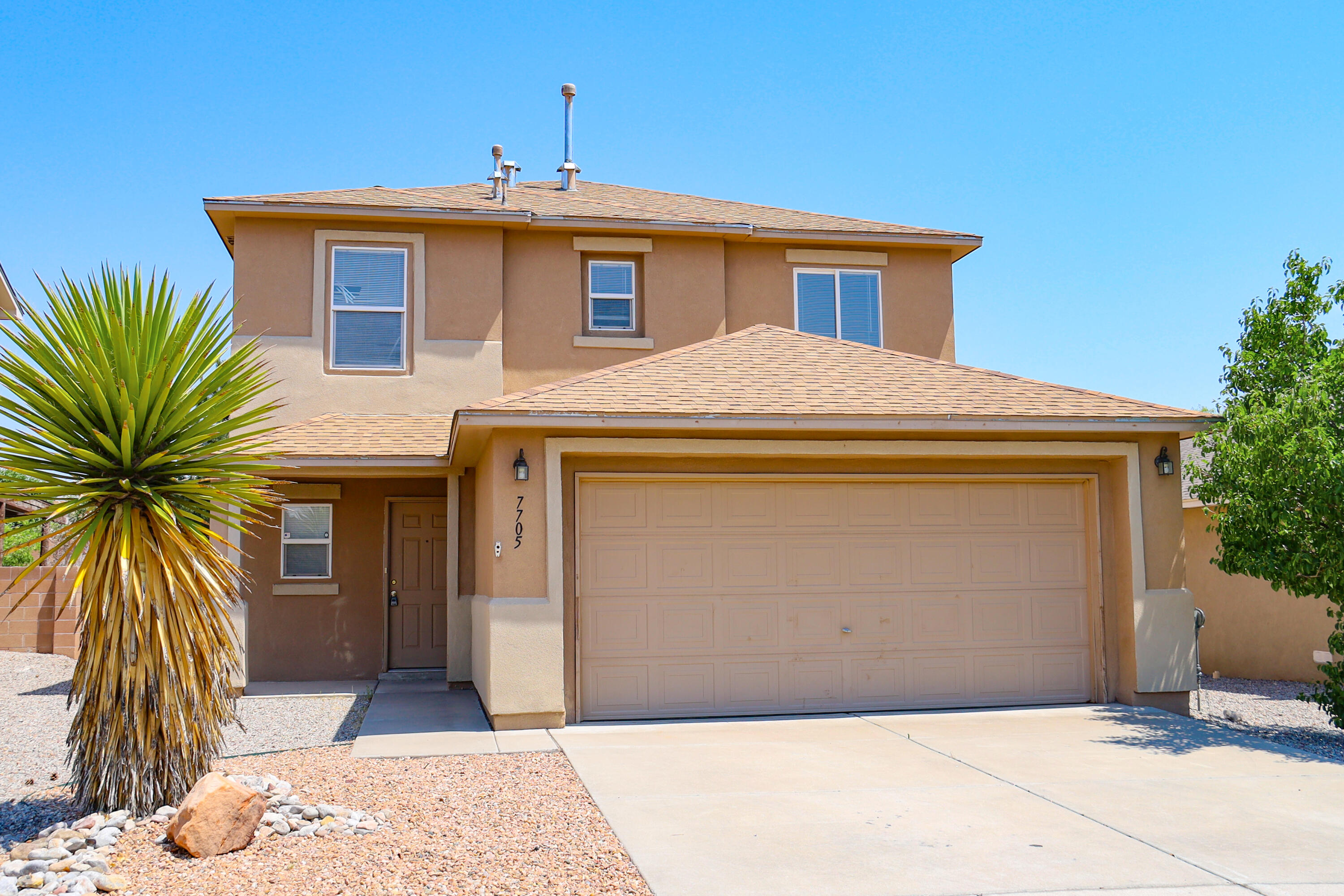 Spacious 3 BR beauty in desirable Ventana Ranch Community.  Open floor plan with dual living areas.  Kitchen offers plenty of work space and abundant cabinets.  Nicely sized master bedroom too.  Tiled floors & freshly painted interior.  Ready for new owner!