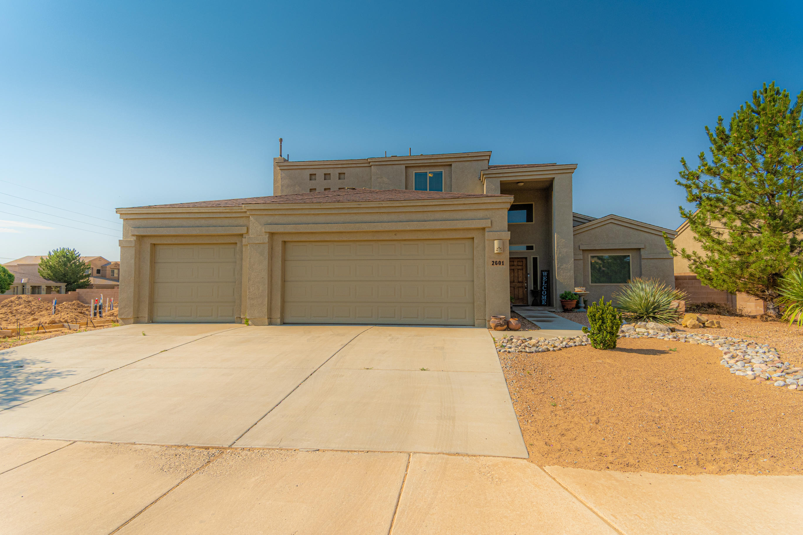 Great opportunity to own this beautiful home in one of Los Lunas's few gated communities! This well maintained home offers 3 bedrooms--master down stairs, a large open living area, loft and front sitting room or formal dinning. You will not feel limited on space with a large laundry room, storage closet and 3 bathrooms.  Don't forget about the 3 car garage and space for plenty of parking! Call to schedule your showing today.