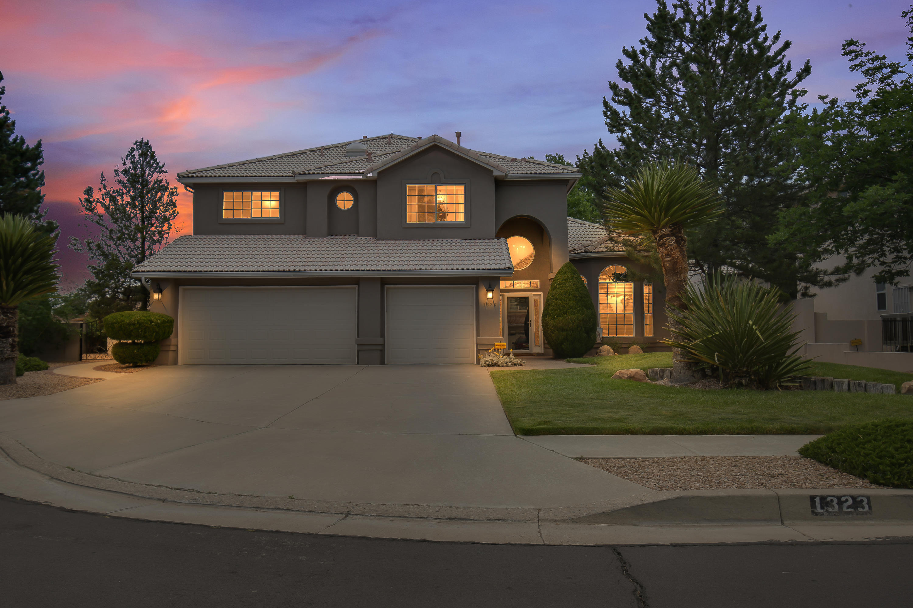 This well maintained home sits on a large Cul-de-Sac lot with no thru traffic! Plenty of upgrades to this already beautiful home.  Please review the Home Improvements in the documents section for all the updates. Here are a few: Updated kitchen with new  quartz countertops, stainless steel Bosch dishwasher, GE double oven, Samsung refrigerator. Updated downstairs bathroom, new storm doors, updated patio area, New LG extra large capacity front load washer, LG ultra-capacity front load electric dryer.  Recent replacements of 2 furnaces and 2 refrigerated air units, and upgraded electrical!  Excellent locations, close to hiking trails, Sandia Labs.