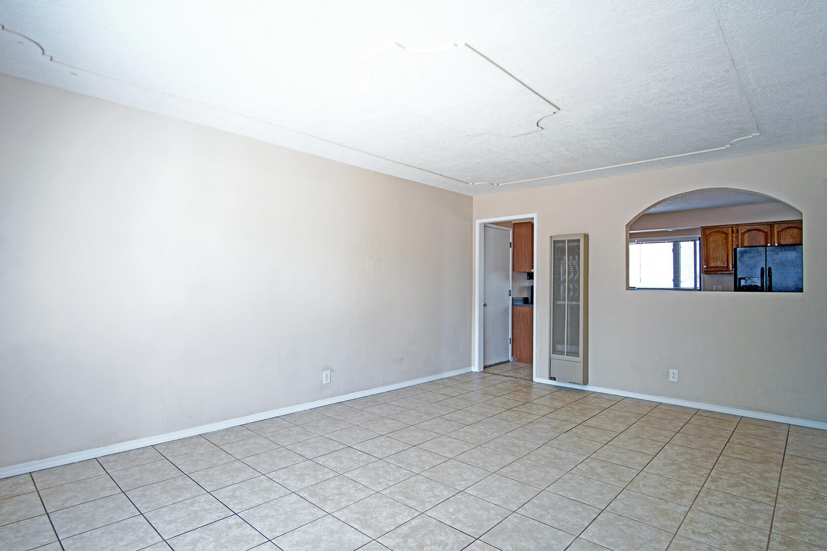 This home is conveniently located in the North East Heights. It is perfect for the first time homeowner. Enough room to grow as family, or the investor looking for a great investment.  If you commute the freeway is near by. Shopping centers are close by, as well great restaurants. The house has been freshly painted, as well as new blinds. All the appliances stay with the home.