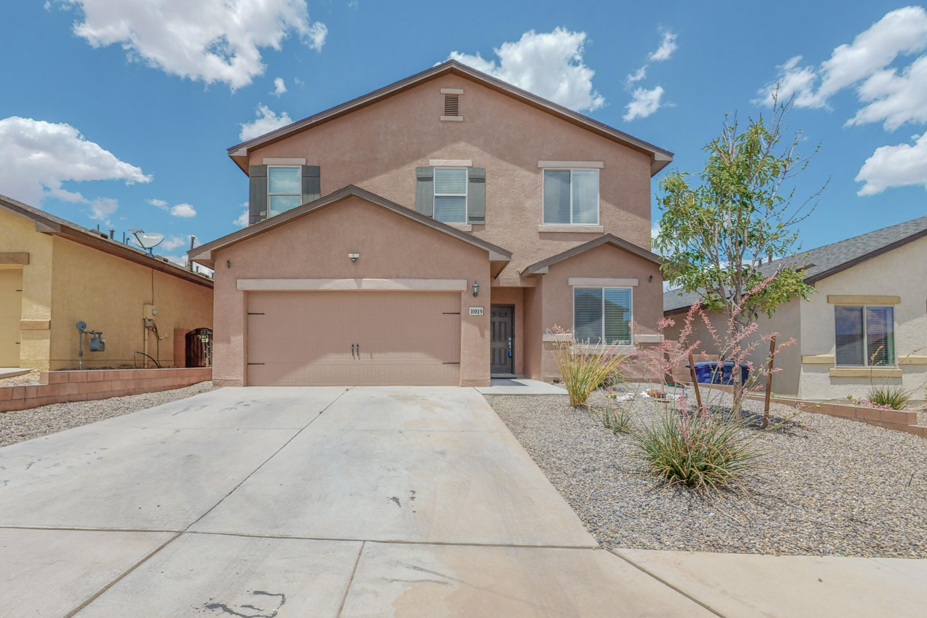 Best Value in the SW Heights!  This beautiful newer 4 bedroom home is now available!  Home features 4 bedrooms and 3 bathroom, open-concept living with upstairs loft! Large backyard with covered patio and custom dog run!