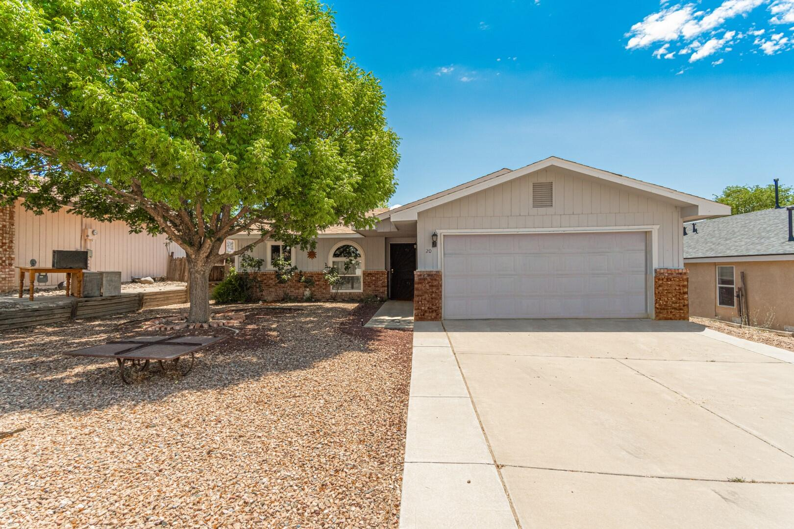 Great location near UNM Valencia Campus.  Cathedral ceiling in living room wtih wood laminate flooring.  Tile flooring in kitchen, dining and bathrooms.  Split master suite.  Covered patio.  Fenced backyard.  2-car attached garage.