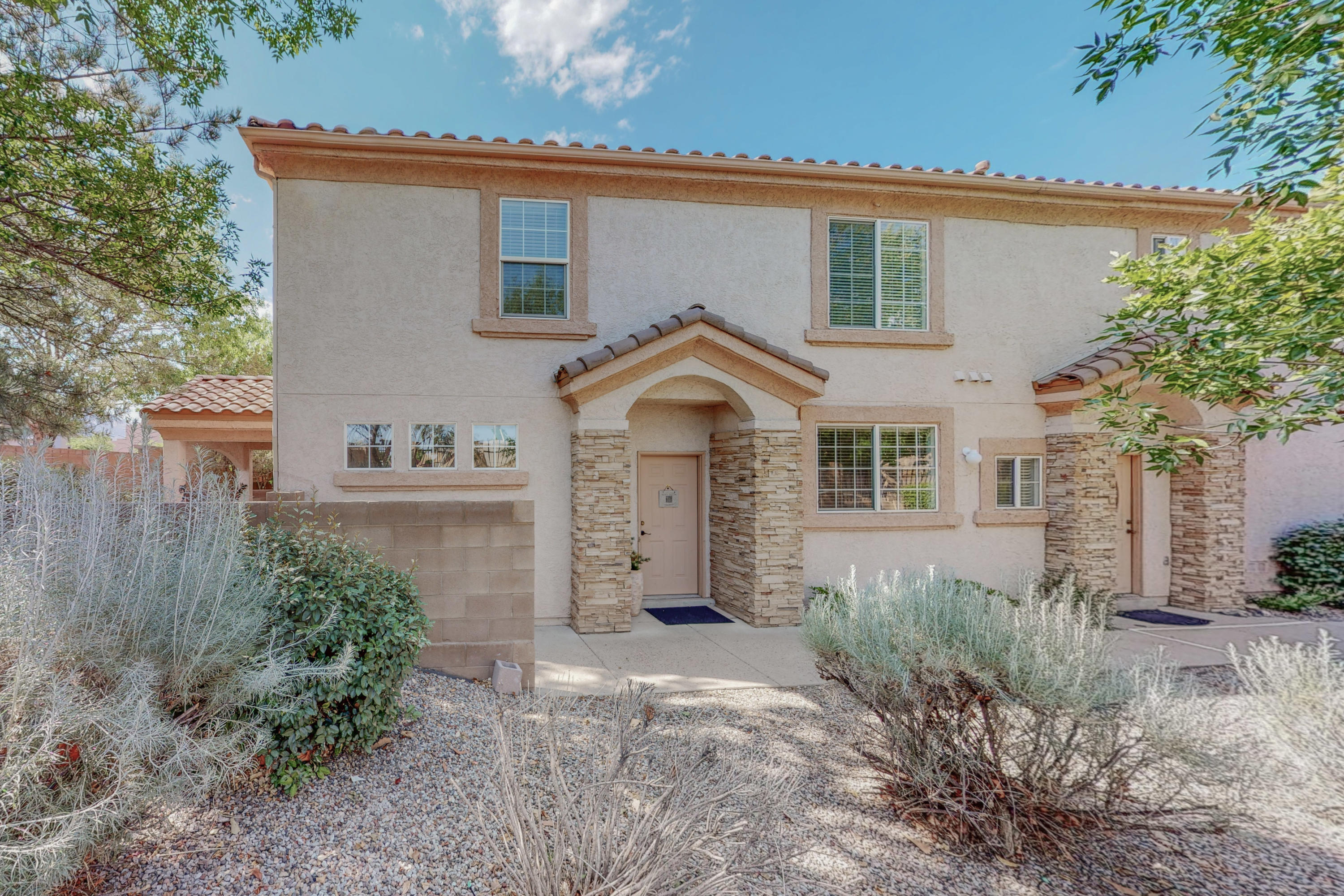 Great condo with TWO MASTER Suites. Located near shopping and restaurants. Upgrades Berber carpet and porcelain tile throughout. Come see this great home located in a gated community.