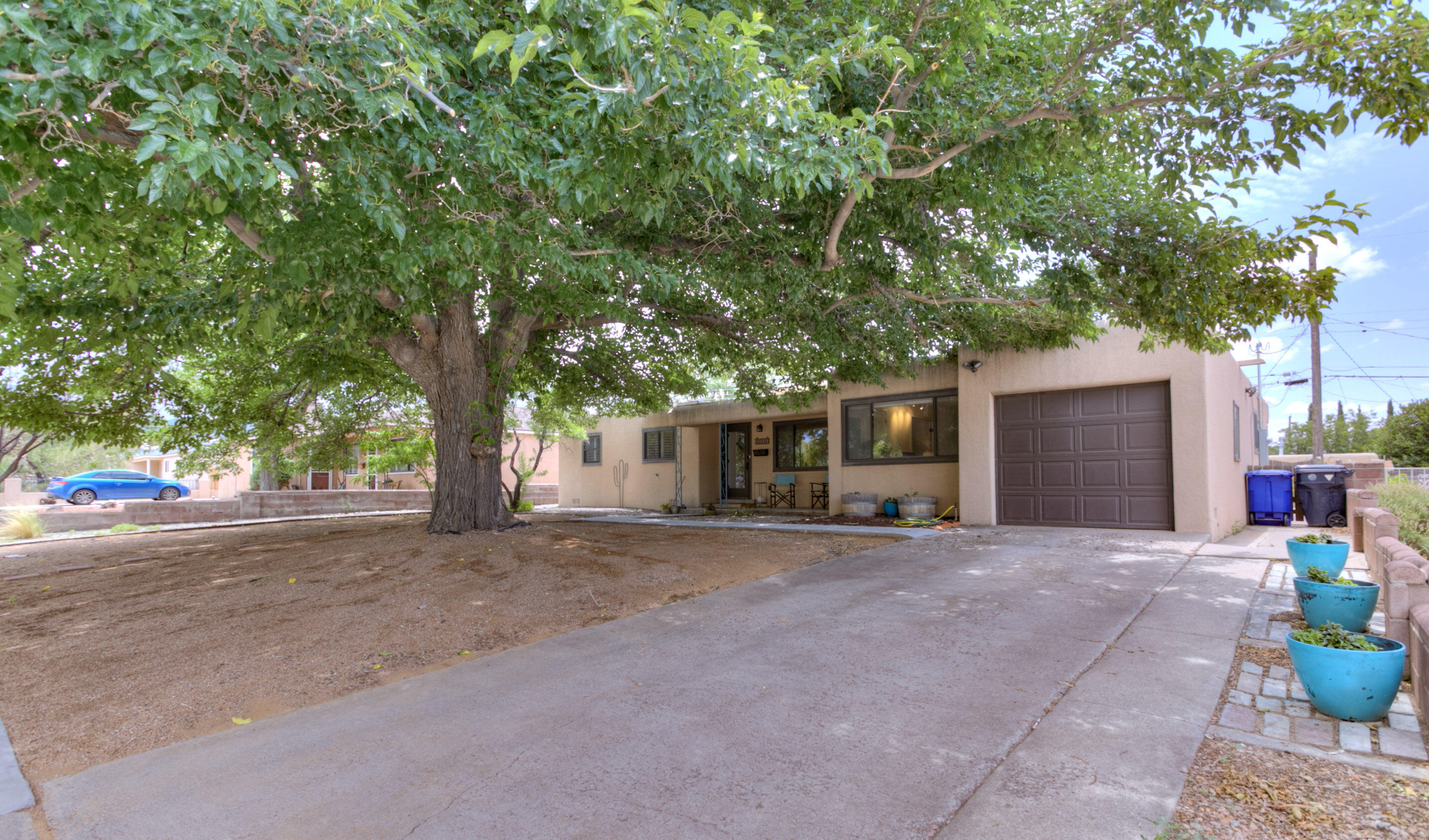 Welcome Home this great floor plan, includes 4 bedrooms, 2 living areas, plus a formal dining room! with Hardwood Floors, refrigerated air, thermal windows! All appliances including refrigerator, washer/dryer stay! new APP Modified Bitumen roof in '18! Family Room could be used as an office with it's own private entrance. Come make this home yours today.