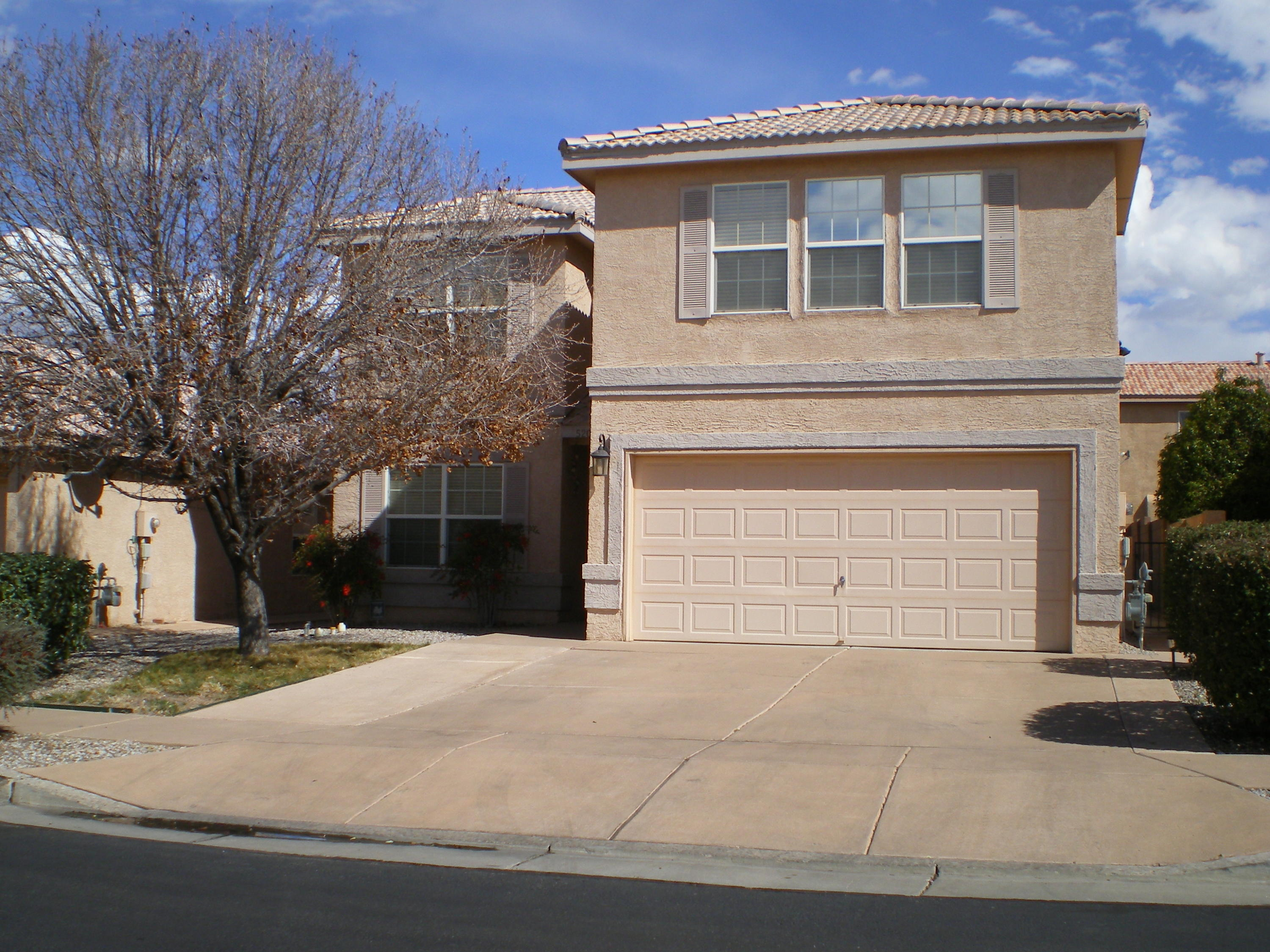 An immaculate,,like new spacious home,, in gated Encanto village. Living room,large den,fire place,,great kitchen,tile floors. Great master suite,jacuzzi tub,walk-in closet,Nice sized bedrooms,loft area.Solar equipped for elec. efficency!covered patio,landscapped rear yard.This home shines thruout!!