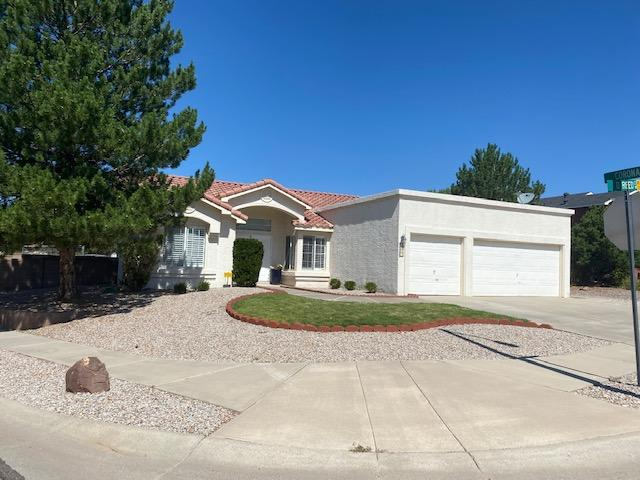 Great opportunity in La Cueva HS District.. This well maintained home boasts raised ceilings, granite tops in kitchen, stained concrete floors, large corner lot, open kitchen, 3 large bedrooms, one level home with 3 car garage.. The park like backyard has storage, large covered patio, dog run and plenty of room to roam..