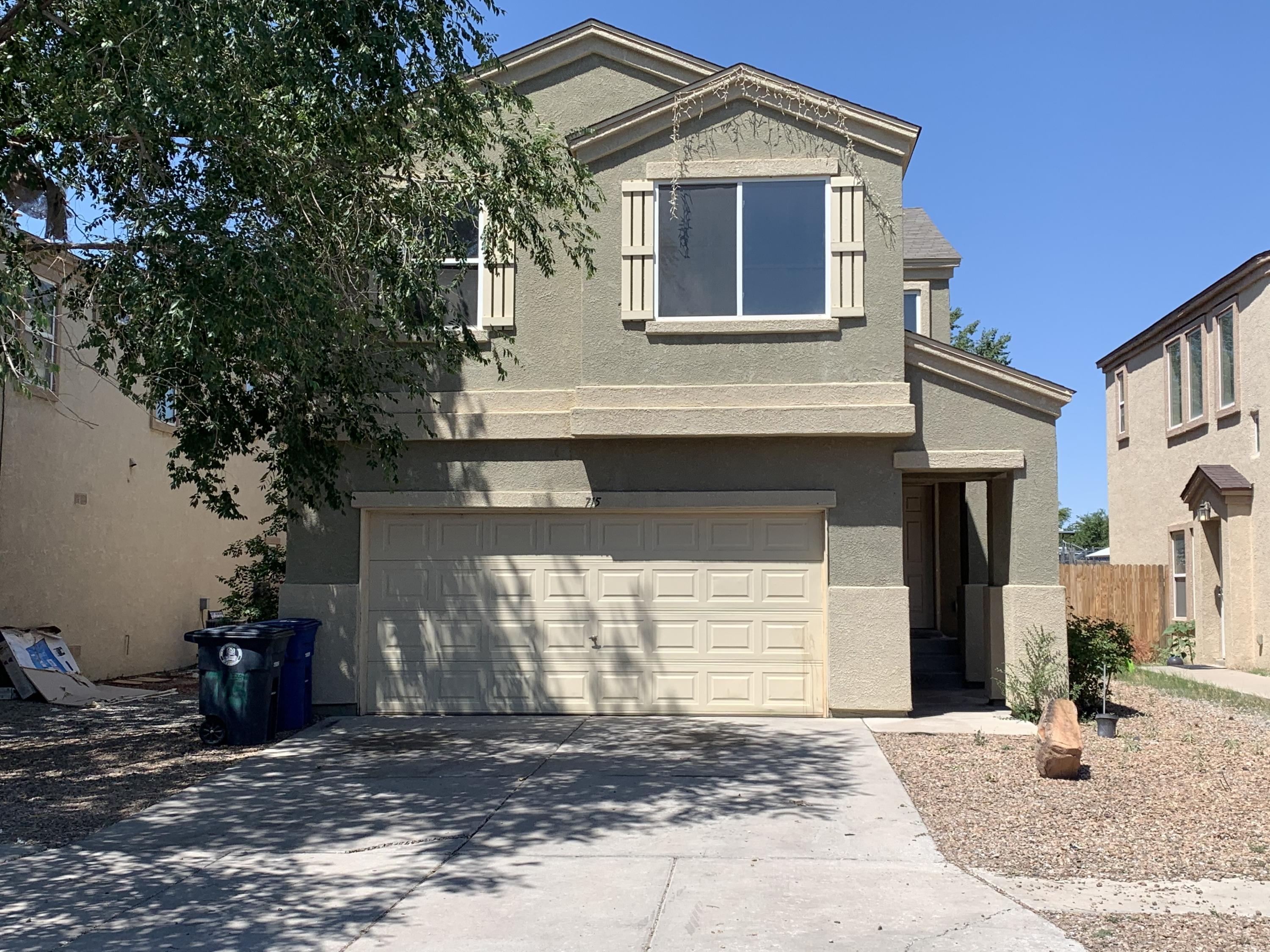 Lots of space for the money!  Almost 2000 sq.ft., 4/br, plus loft, 2.5/ba, w/2 car garage.  All bedrooms upstairs.  Living, dining, kitchen and 1/2 bath down.  Spacious master bedroom features nice full bath w/garden tub, double sinks and SUPER SIZED walkin closet.   Informal/formal dining room.  Small loft area great for computer room, play room or just about anything.