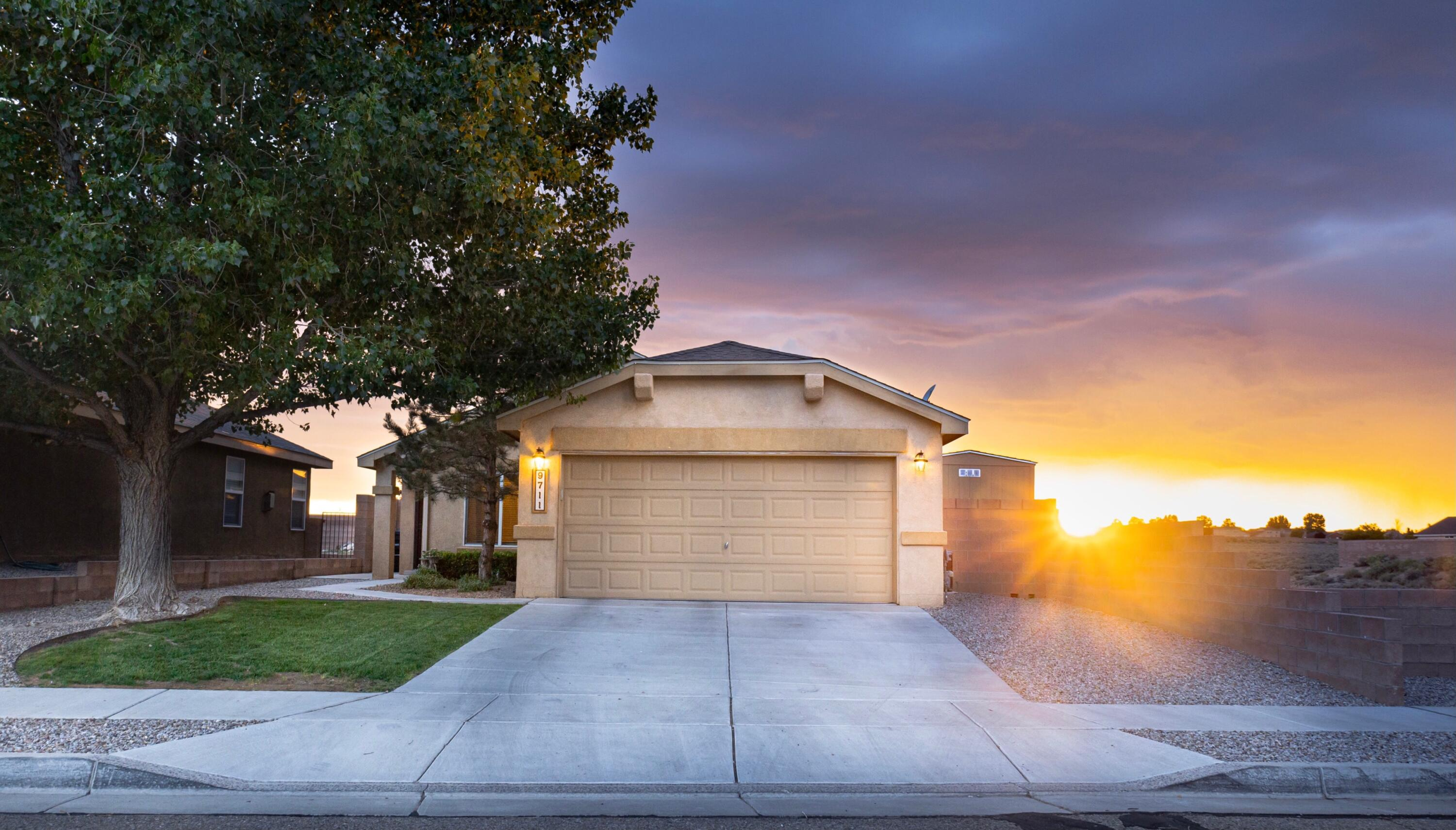 Welcome to this highly desired Ventana Ranch community. This home has an open floor plan and 4 bedrooms. All of the appliances are included.