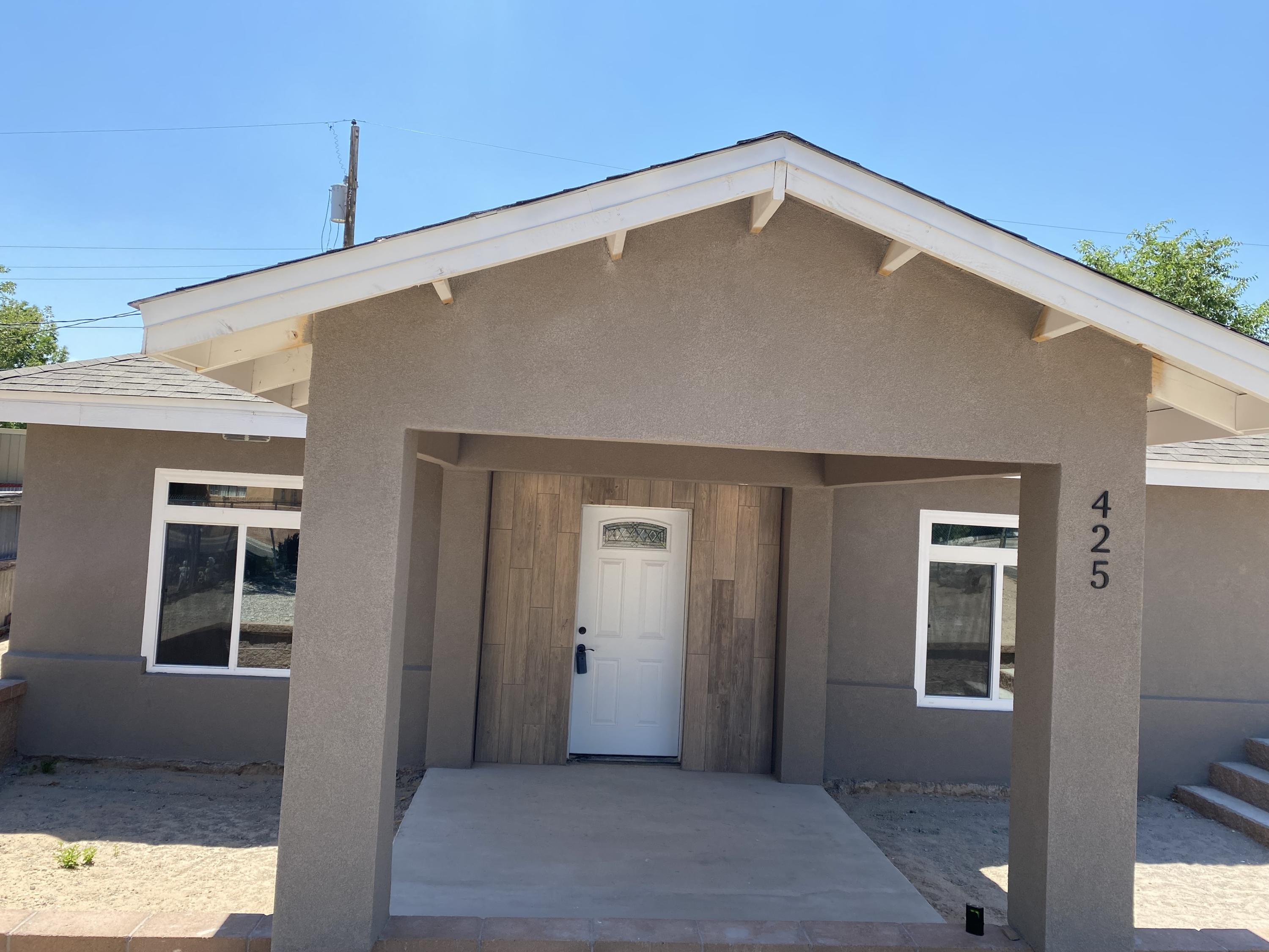 Completely remodeled. New roof, windows, kitchen cabinets, floors, light fixtures and more. Great floorplan on a large lot! A must see today!