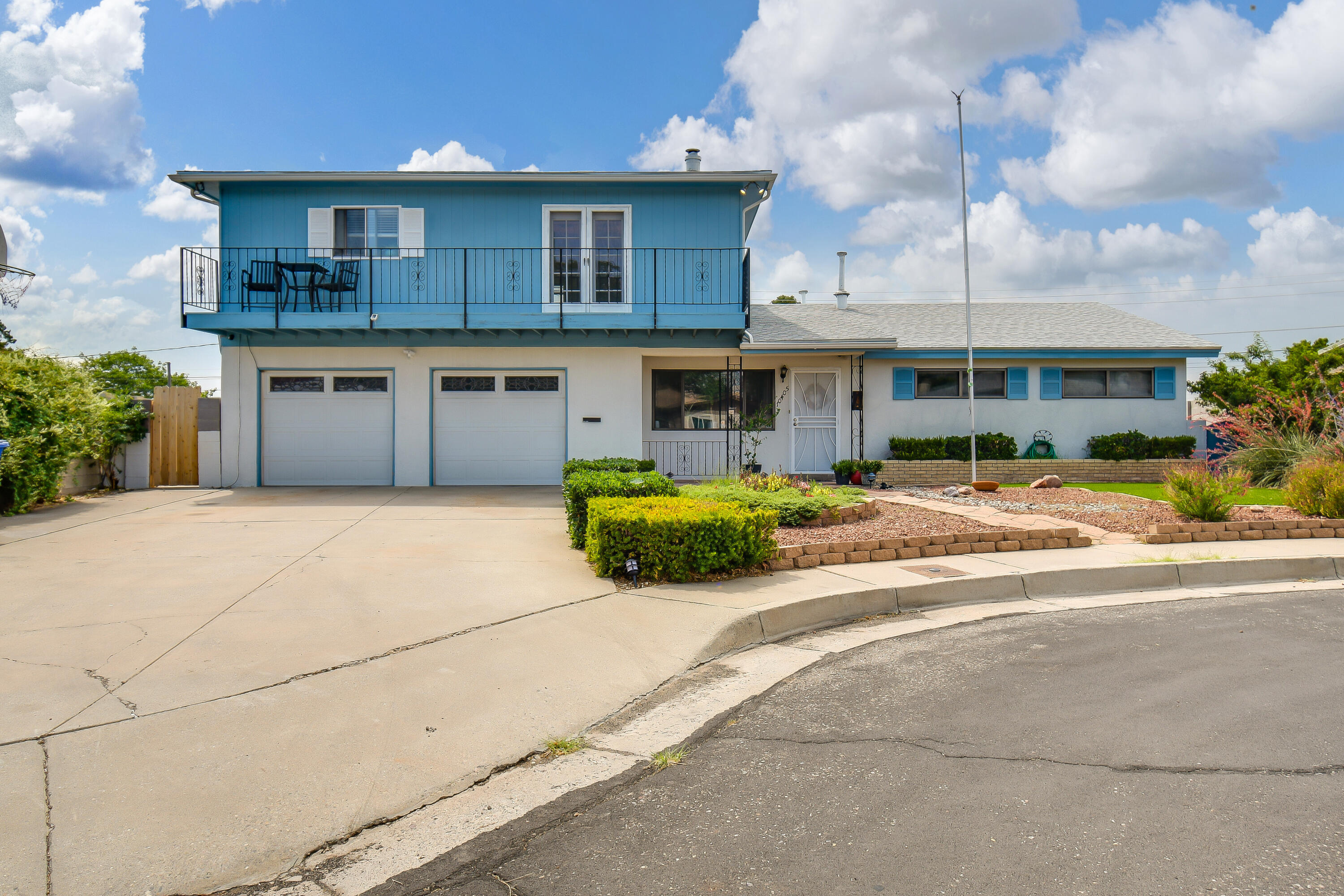 Beautiful Home In Established Neigborhood On Cul De Sac! Don't Miss This Generous Sized Home That Yields 3BR, 2BA, 2+Living Rooms, Dining Area, 2CG & More! This House Opens With A Light & Bright Formal Dining Area And Leads Into The Kitchen Where You Will Find Lots Of Cabinets & Counter Space, Black Steel Appliances, Kitchen Island, Over Looking The Living Area. The Living Area Offers A Cozy Fireplace And Built In Book Shelves. Enjoy The Master Bedroom That Has Lots Of Space,And Master Bath W/ Stand Alone Shower. Two Spacious Bedrooms To Follow All On The Main Level. Upstairs You Will Find A HUGE Bonus/Flex Room That Can Be Used As Office,  Living Space, Or Whatever You Come Up With!Outside Is Perfect For Entertaining, W/Covered Flagstone Patio & Mature Flowers For Color. Don't Miss Out!