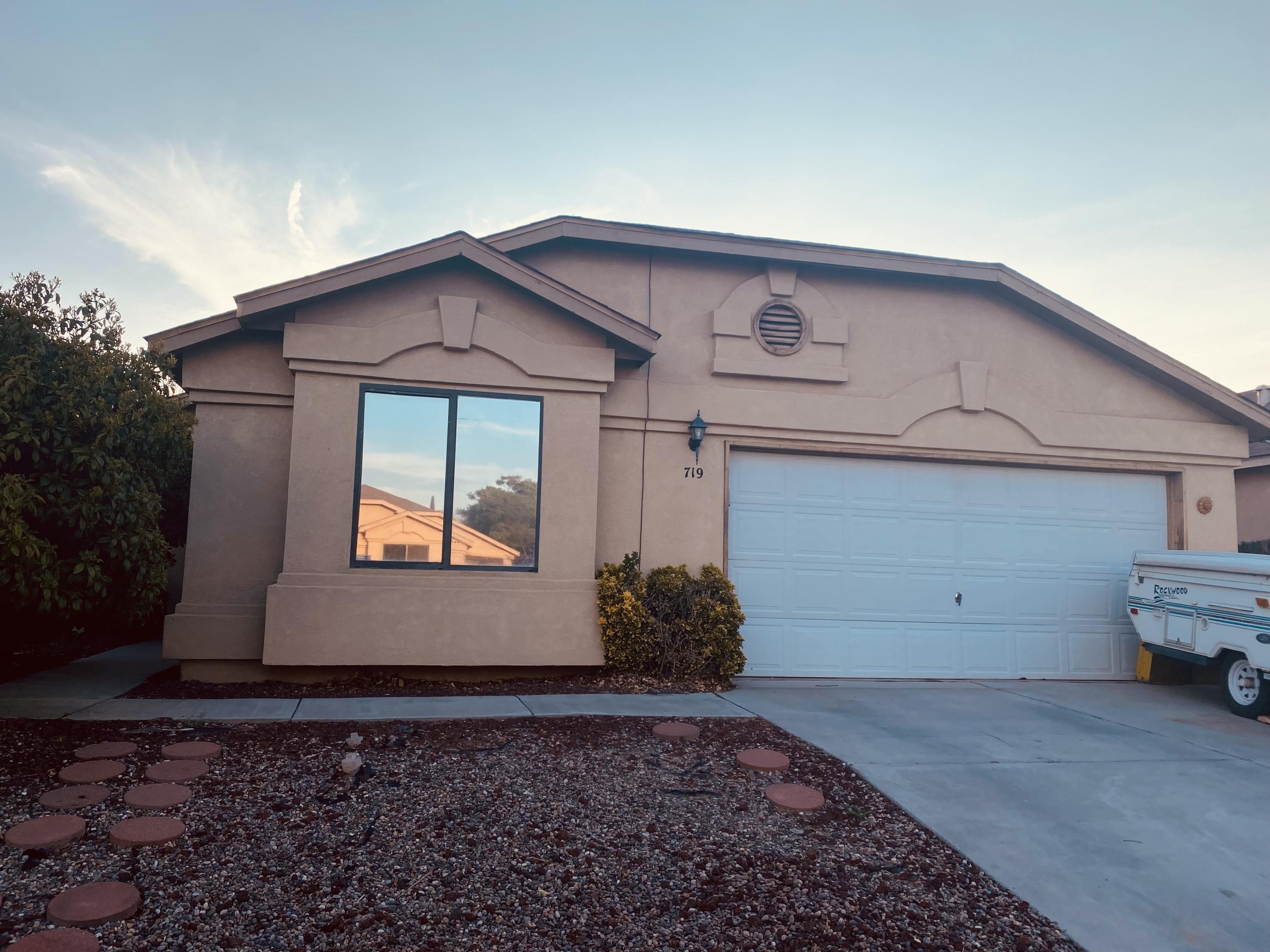 This home is move-in ready! It is a beautiful 3 bedroom 2 full bath single story. The home has been well taken care of and will go fast! Schedule your appointment to view it today.