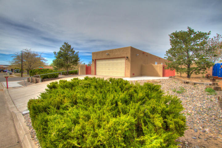 This home sits on a large corner lot of a cul de sac overlooking the Rio Grande and all of beautiful Albuquerque. A number of custom homes share this cul de sac. One story home with 3 spacious bedrooms and 2 full baths. Prior to tenant occupying home living room and kitchen were remodeled. Tenant in place.. Please do not disturb tenants.