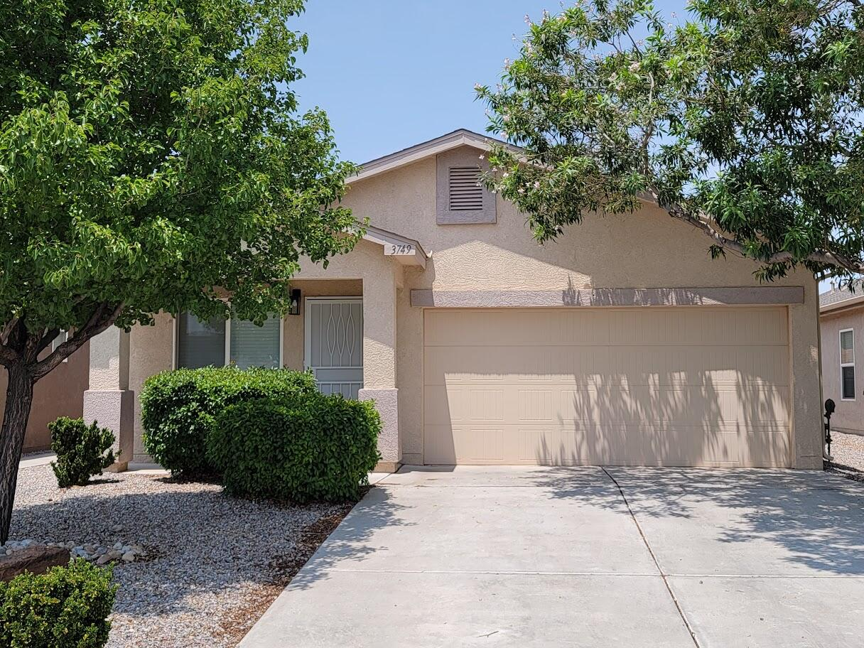 This nicely remodeled home has an open floor plan, stainless appliances, granite counter tops, fantastic wood grain laminate flooring, new paint throughout, landscaping in both front and back yard, refrigerated air, is walking distance to the Camino de los Montoyas park, close to the city center for Rio Rancho events and fireworks. Come check out this beauty today.