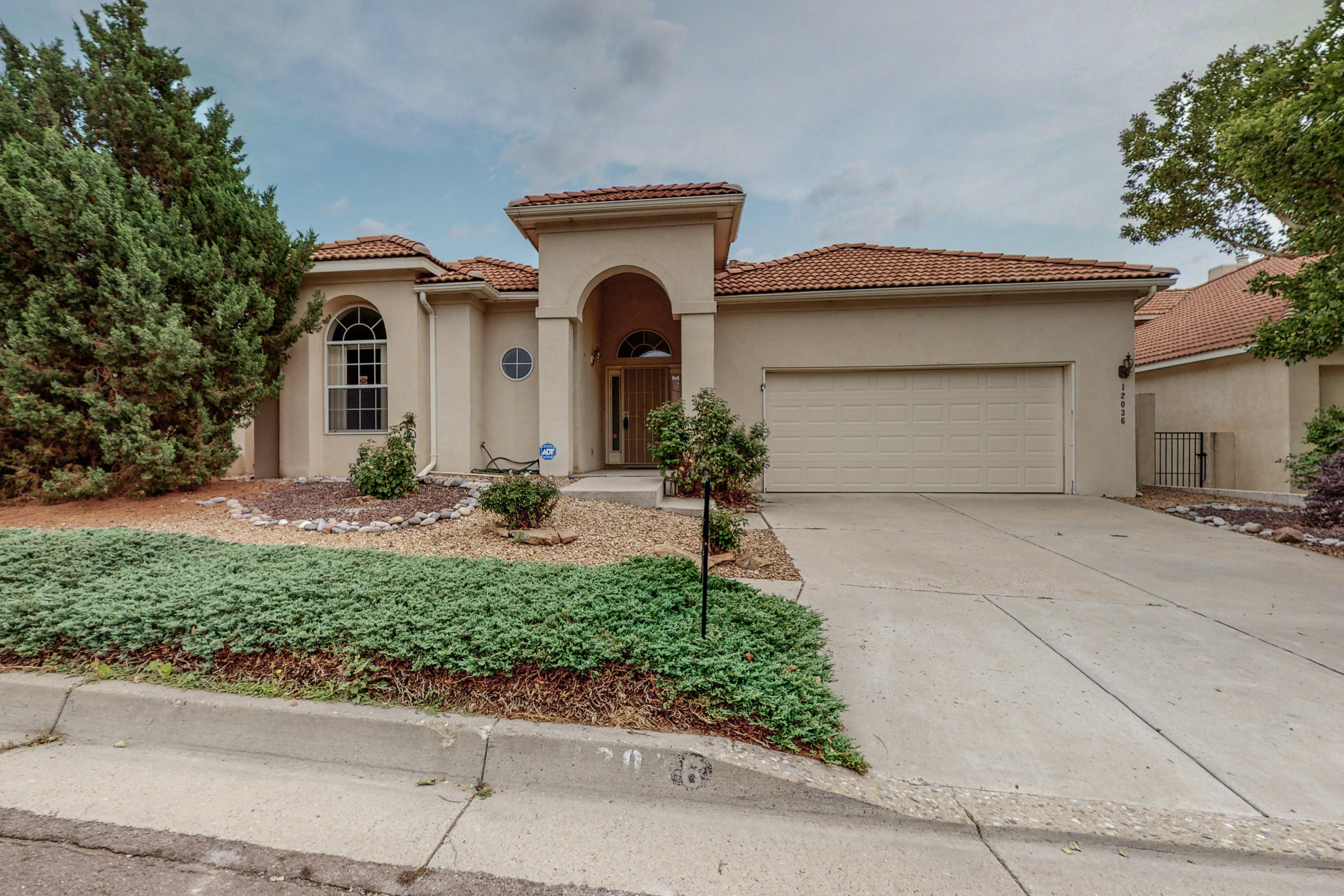 Lovely one owner Single level home in the beautiful Antelope Run subdivision on a Cul de Sac - NO HOA! Open floorplan, south facing backyard, Light & bright! Updates include very recent refrigerated A/C and furnace, new carpet just installed, freshly painted interior in custom colors. Kitchen open to the dining room and spacious living room with fireplace. Very large master suite with separate shower and tub. 2 good sized bedrooms. Laundry room with storage. Built in vacuum system with accessories. BIG 2 car garage.