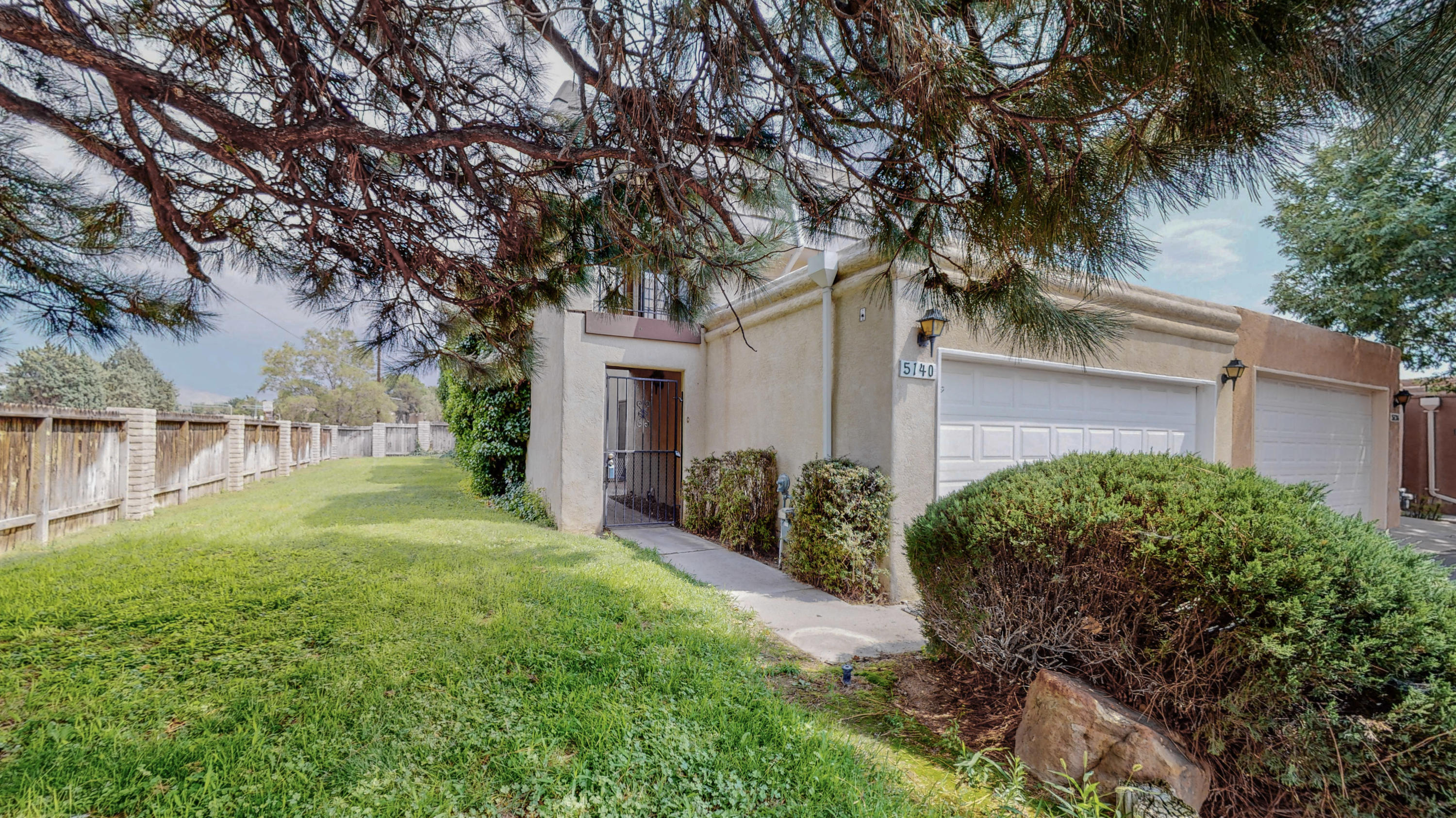 This Townhome next to Arroyo del Oso golf course is calling you home!  With Community amenities that include a pool, tennis courts, park, clubhouse and a Home Owners Association that covers your front landscaping, roof and stucco, Who could ask for more! Let your dreams move you!