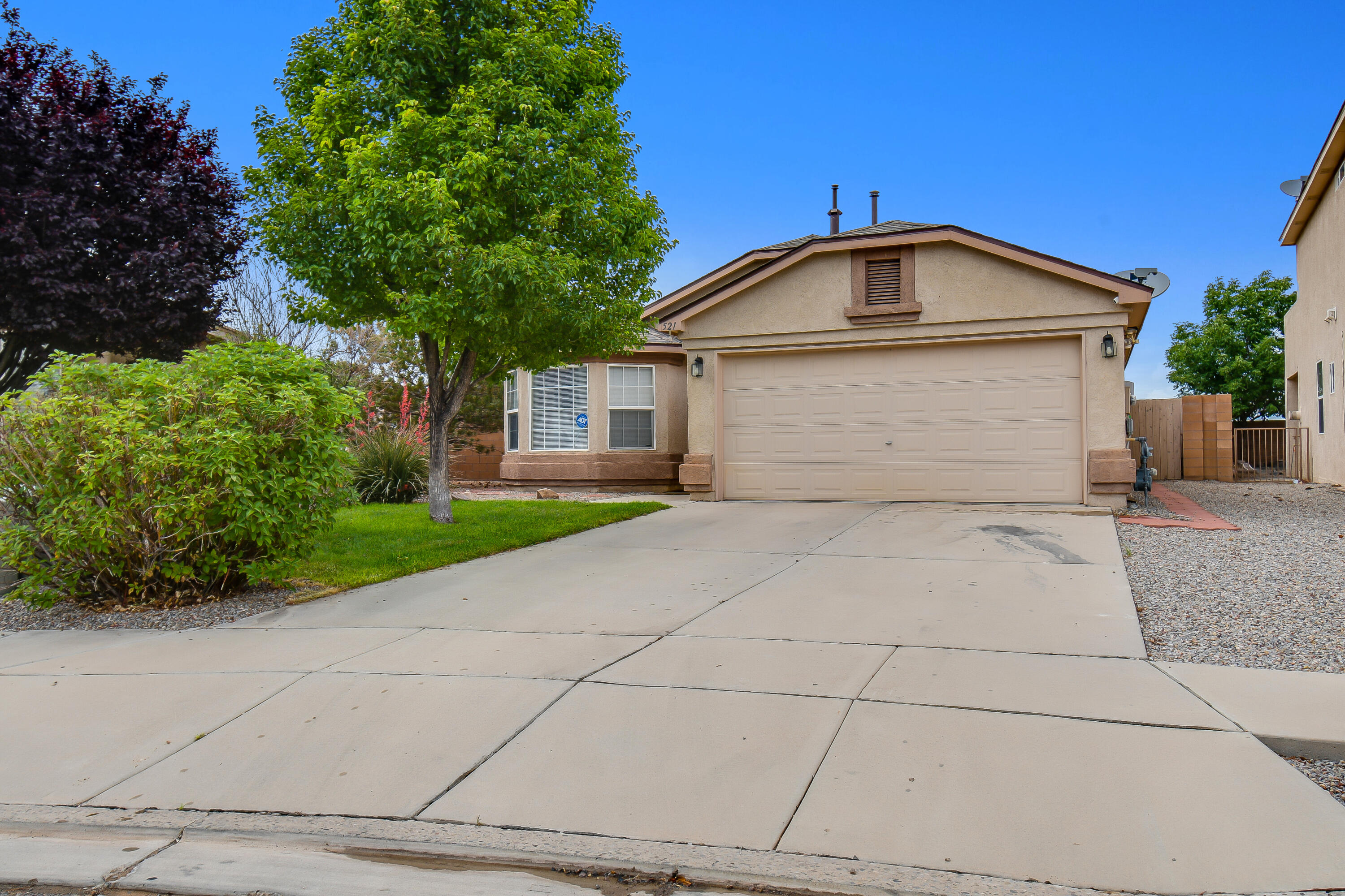 A Perfect Example of A Well-Maintained,Gently-Lived-In Home.This Immaculate Home is in Great Location on a Quiet Cul-De-Sac.An open layout in Northern Meadows Neighborhood located in Sierra Norte Subdivision.Bay windows Add to the Open Feel in this Upgraded Antelope Floor plan with Upgraded Lighting,Ceramic Tile,an Open Kitchen with Bar,Gorgeous Laminate Wood Flooring and Arched Doorways.Crown Molding on Cabinets,Two Full Size Linen Closets,and a Huge Walk-In Closet are Awesome Features.Huge Backyard with Covered Patio and Raised Blocked Wall is Perfect for Private Gatherings with Enough Privacy.Add in the Air-Conditioned Workshop/Storage and What More Could You Want?This Home is Close to Shopping and Schools.With So many Extras,This One is a Must See!Don't Miss Out on This Charming Home!!